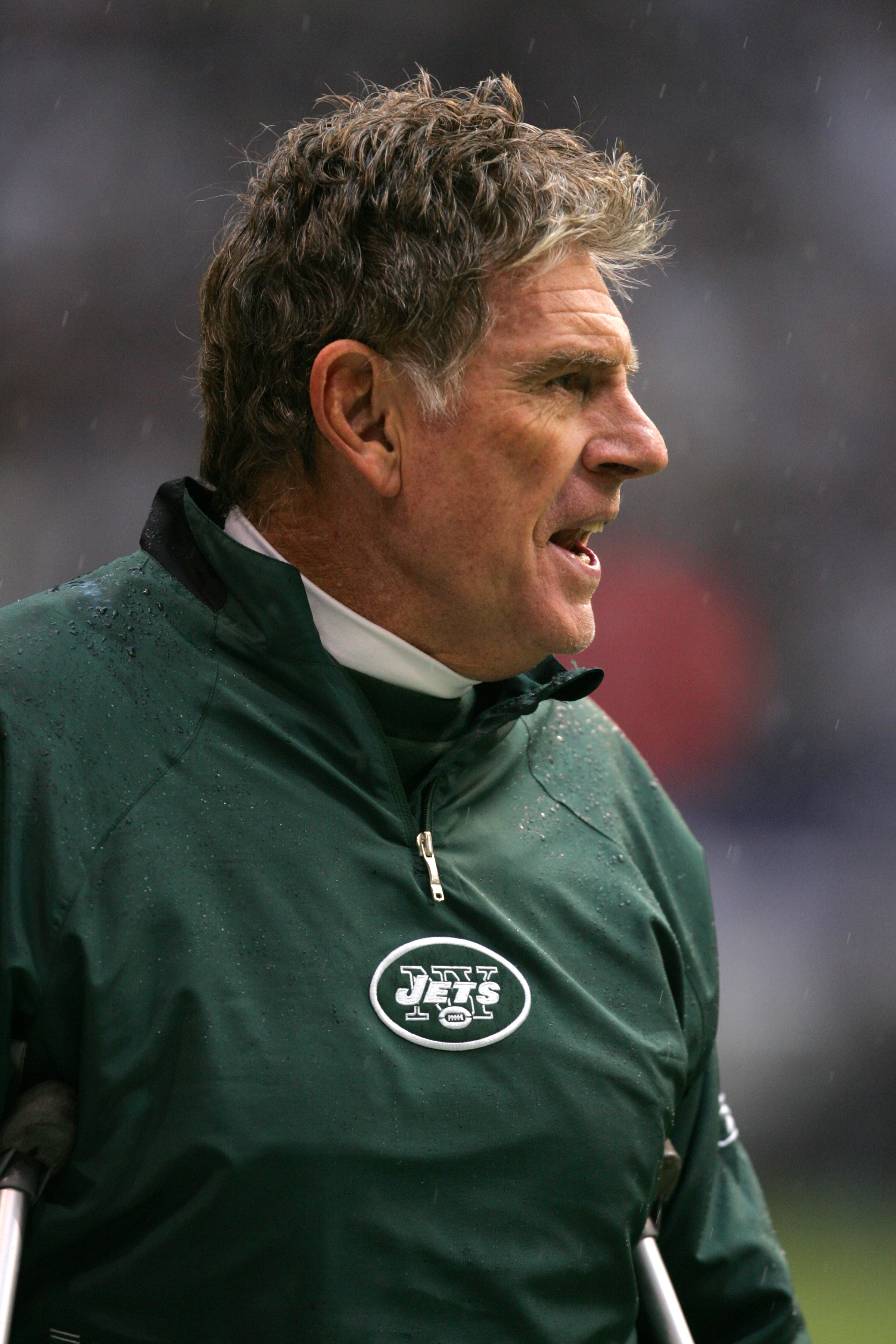 IRVING - NOVEMBER 22:  Special teams coordinator Mike Westhoff of the New York Jets yells from the sidelines during the NFL game against the Dallas Cowboys at Texas Stadium on November 22, 2007 in Irving, Texas. (Photo by Ronald Martinez/Getty Images)