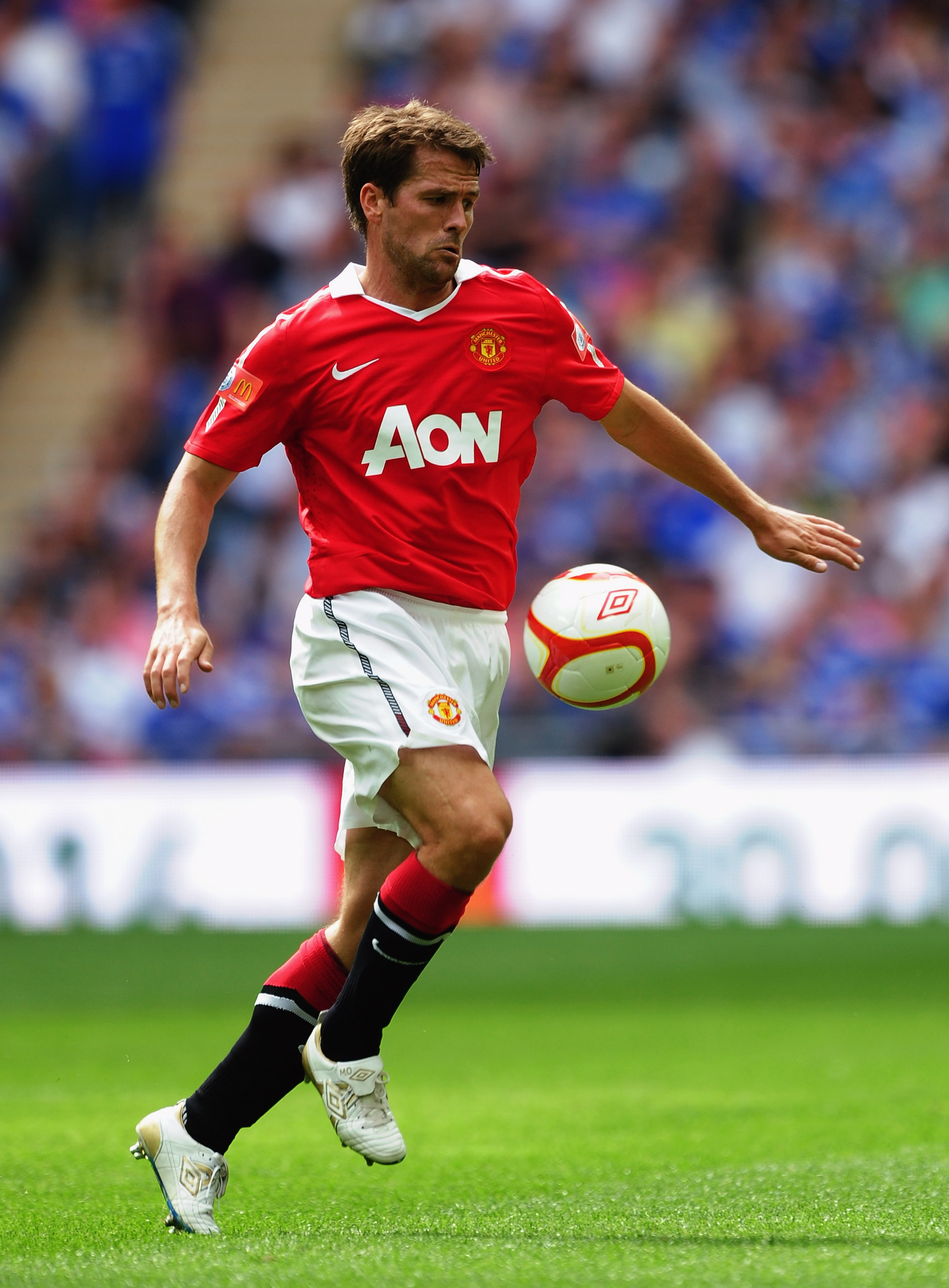 LONDON, ENGLAND - AUGUST 08:  Michael Owen of Manchester United in action during the FA Community Shield match between Chelsea and Manchester United at Wembley Stadium on August 8, 2010 in London, England.  (Photo by Laurence Griffiths/Getty Images)