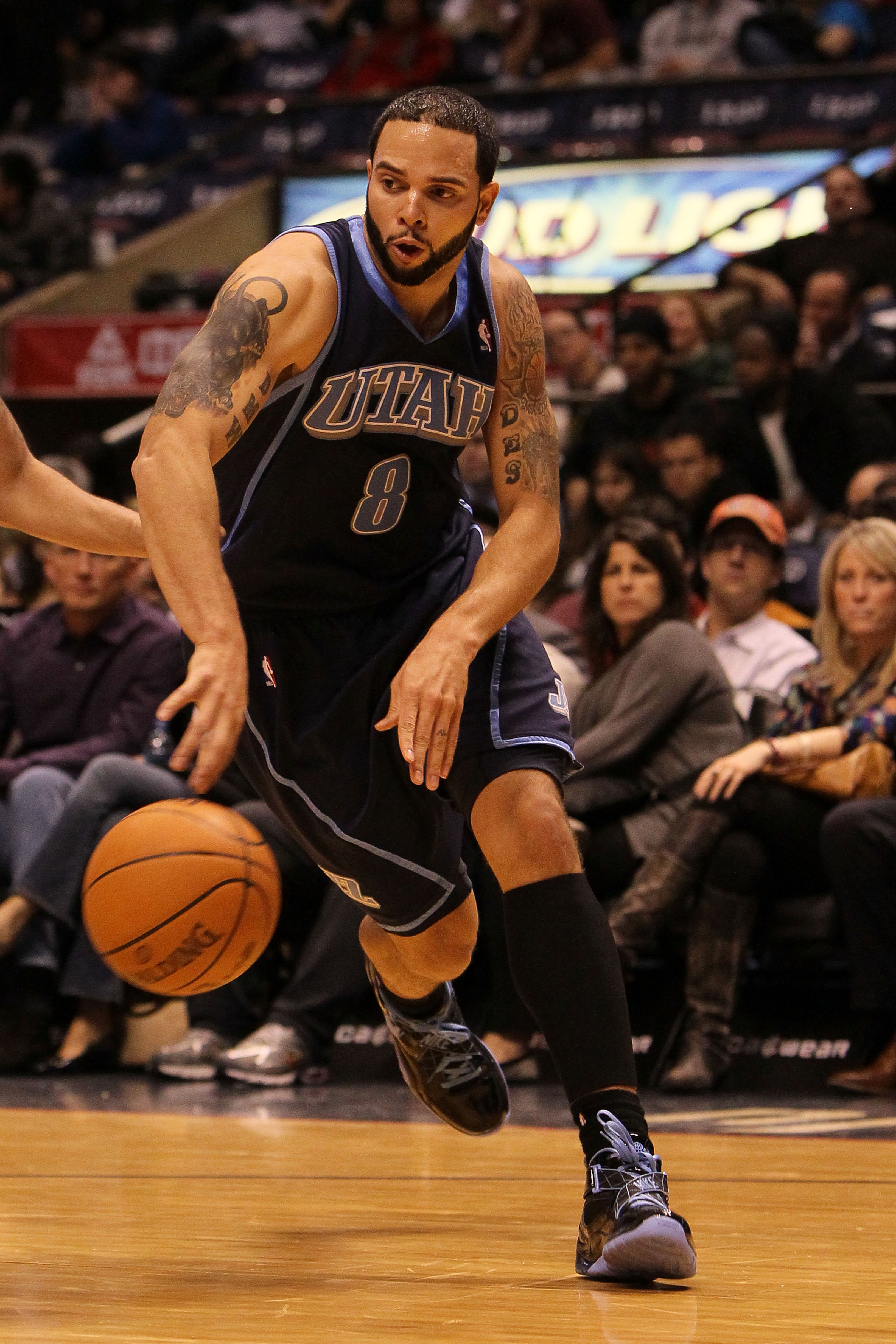 EAST RUTHERFORD, NJ - DECEMBER 16:  Deron Williams #8 of The Utah Jazz in action against the New Jersey Nets during their game on December 16th, 2009 at The Izod Center in East Rutherford, New Jersey.  NOTE TO USER: User expressly acknowledges and agrees