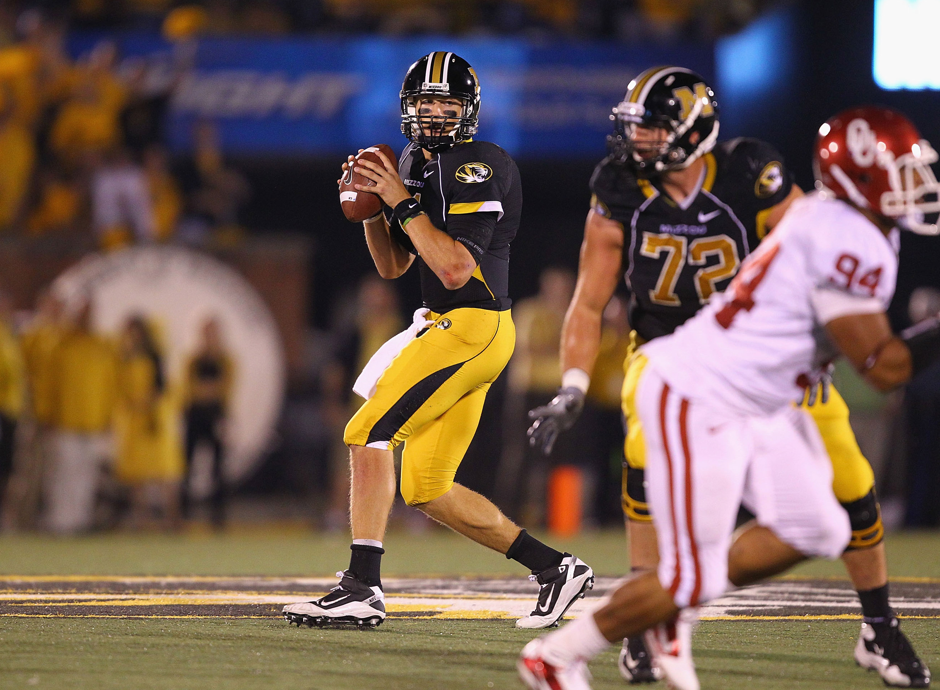 COLUMBIA, MO - OCTOBER 23: Blaine Gabbert #11 of the Missouri Tigers in action against the Missouri Tigers at Faurot Field/Memorial Stadium on October 23, 2010 in Columbia, Missouri.  The Tigers beat the Sooners 36-27.  (Photo by Dilip Vishwanat/Getty Ima