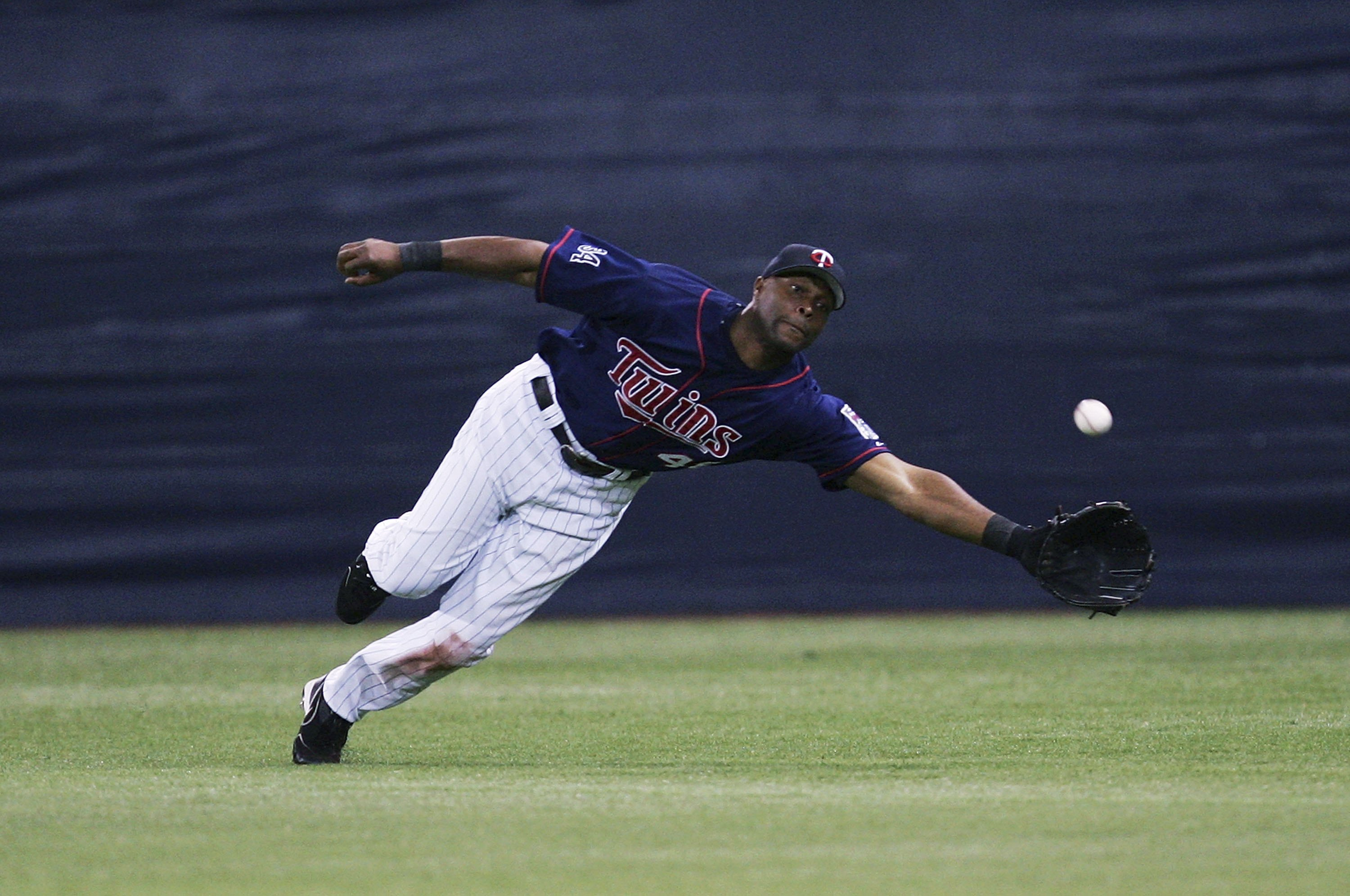 Incredible catches were routine while Torii Hunter roamed the Metrodome outfield.