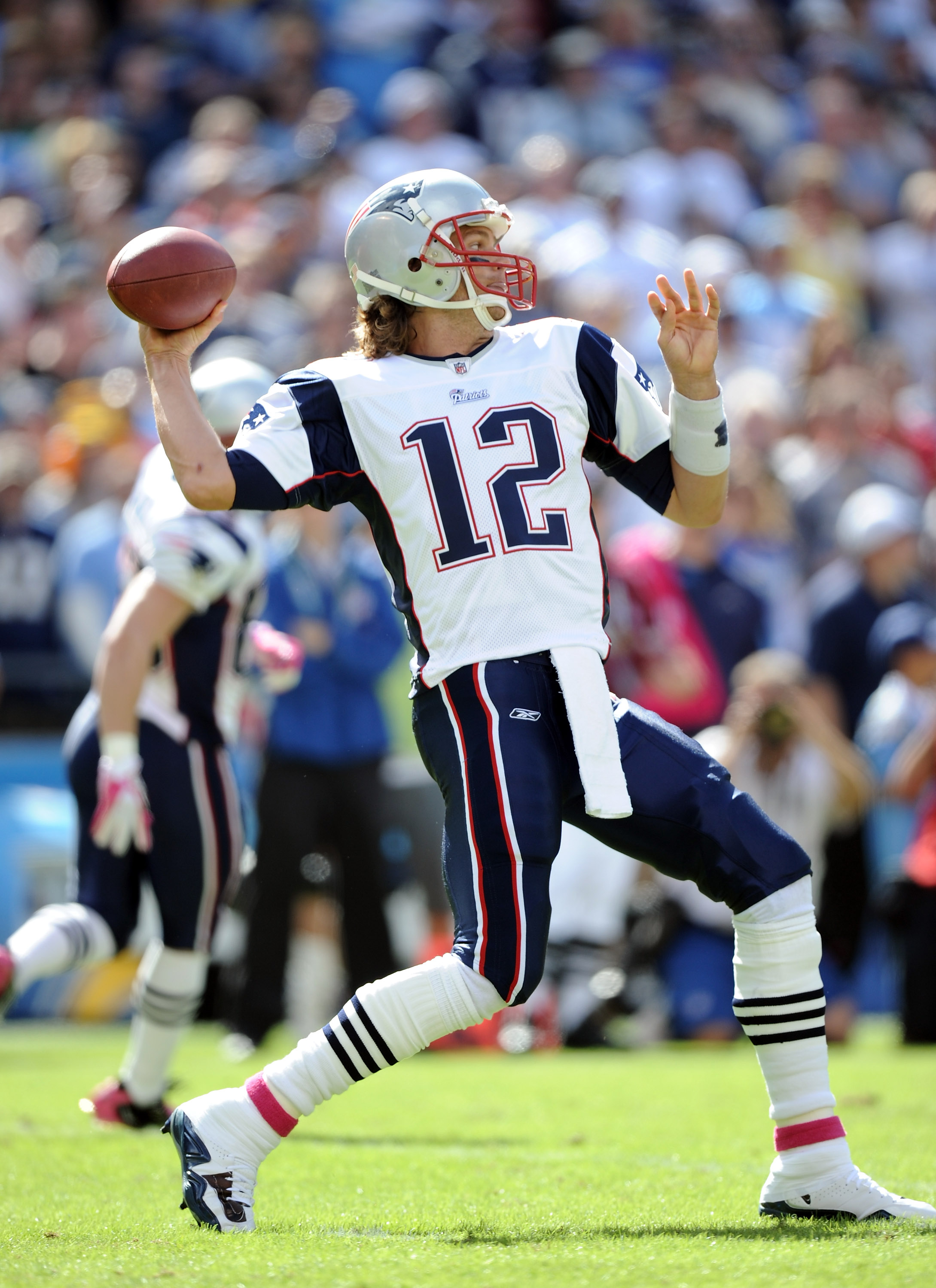 SAN DIEGO - OCTOBER 24:  Tom Brady #12 of the  New England Patriots passes in the pocket against the San Diego Chargers during the first quarter at Qualcomm Stadium on October 24, 2010 in San Diego, California.  (Photo by Harry How/Getty Images)