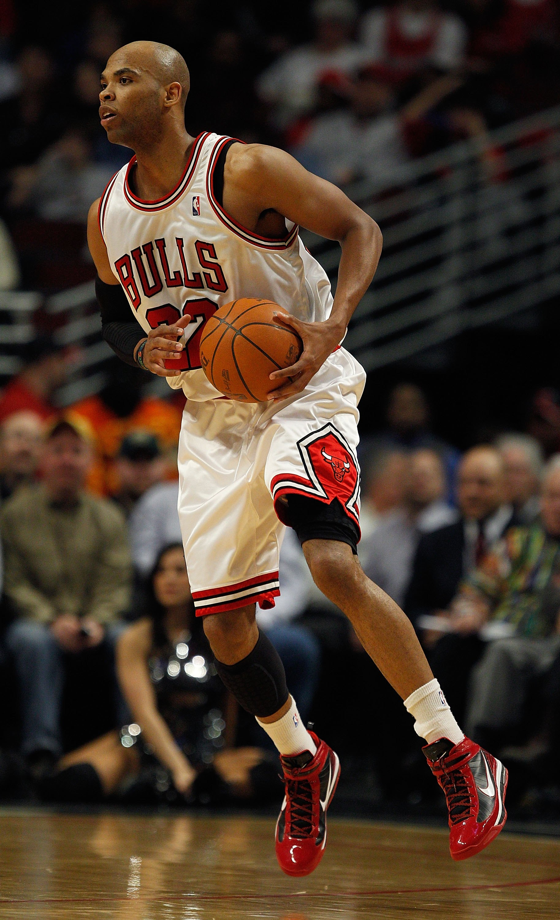 CHICAGO - MARCH 30: Taj Gibson #22 of the Chicago Bulls looks to pass against the Phoenix Suns at the United Center on March 30, 2010 in Chicago, Illinois. The Suns defeated the Bulls 111-105. NOTE TO USER: User expressly acknowledges and agrees that, by