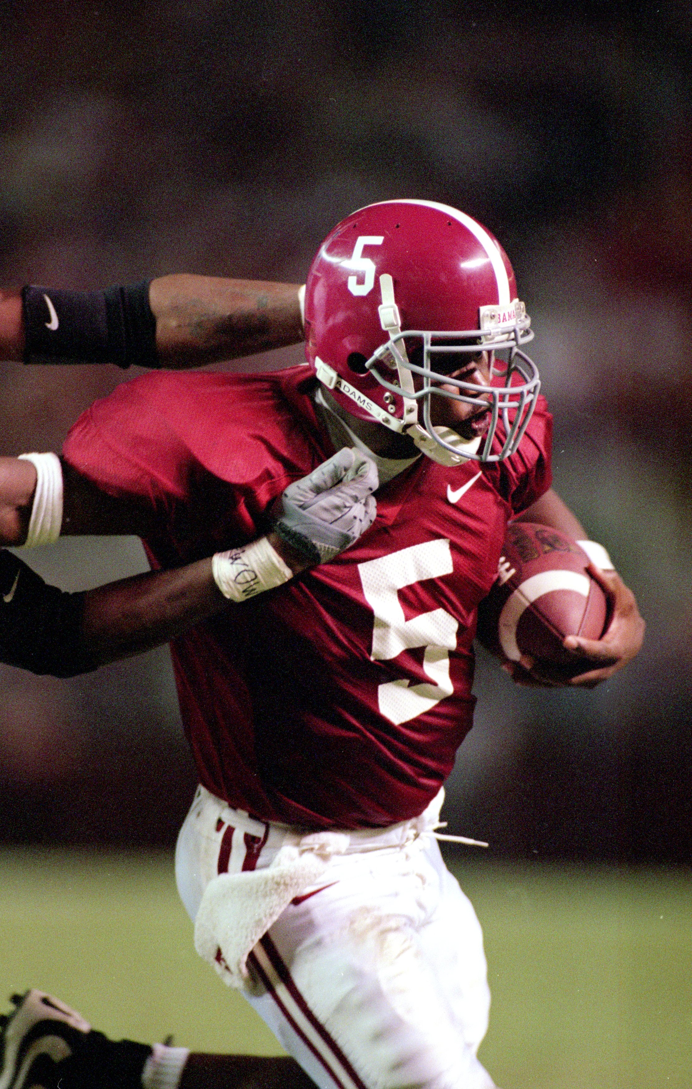 14 Oct 2000: Quarterback Andrew Zow #5 of the Alabama Crimson Tide carries the ball during the game against the Mississippi Rebels at the Bryant-Denny Stadium in Tuscaloosa, Alabama. The Crimson Tide defeated the Rebels 45-7.Mandatory Credit: Blake Sims