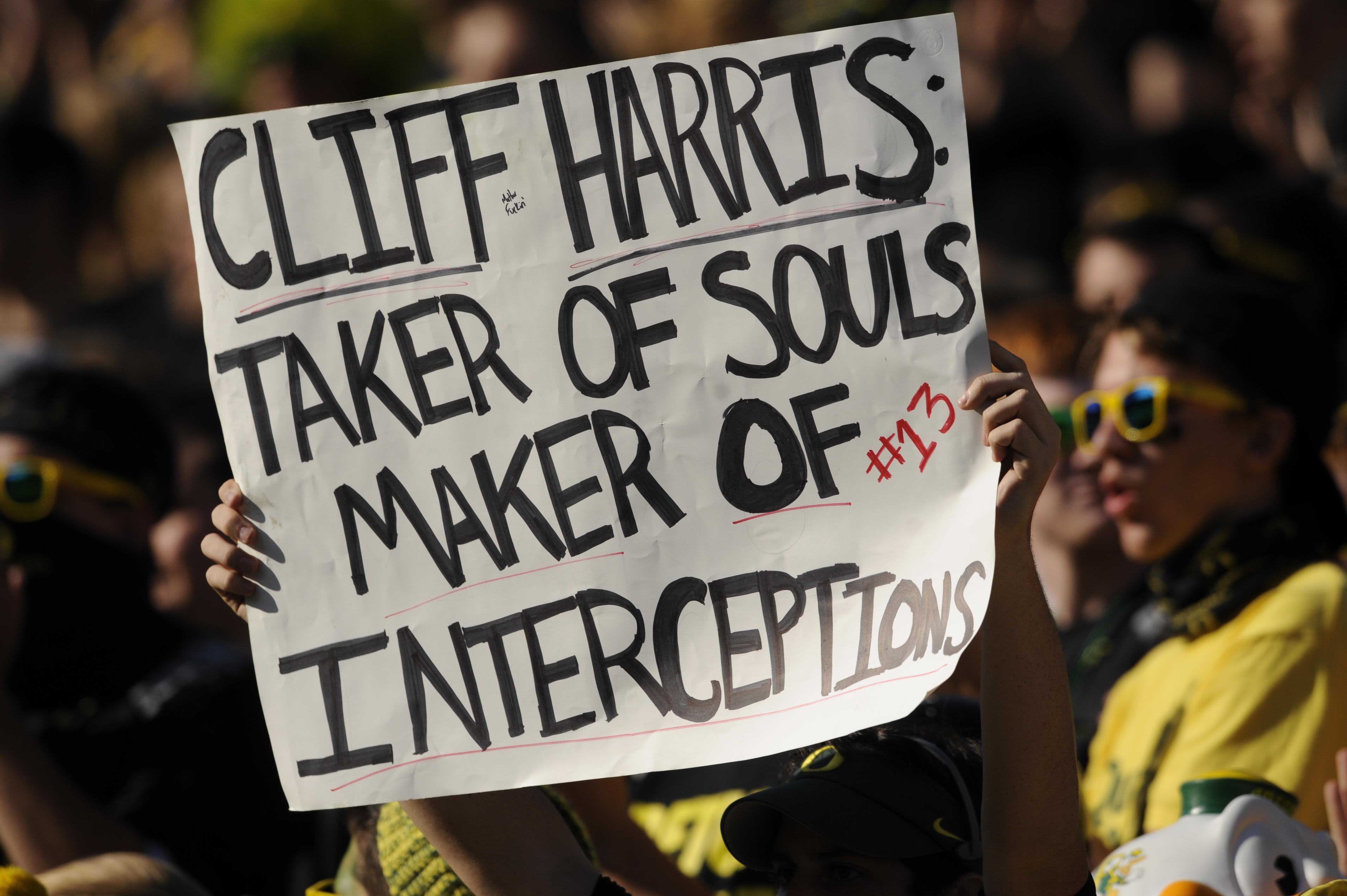 College Football: Oregon Ducks Look To Put Down Dawgs on