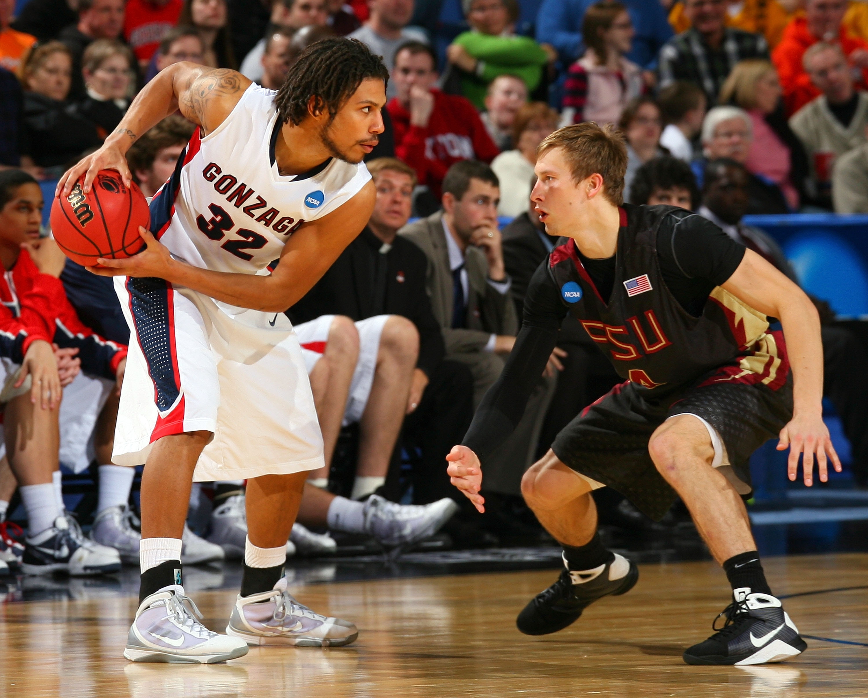 BUFFALO, NY - MARCH 19:  Steven Gray #32 of the Gonzaga Bulldogs handles the ball against Deividas Dulkys #4 of the Florida State Seminoles during the first round of the 2010 NCAA men's basketball tournament at HSBC Arena on March 19, 2010 in Buffalo, New