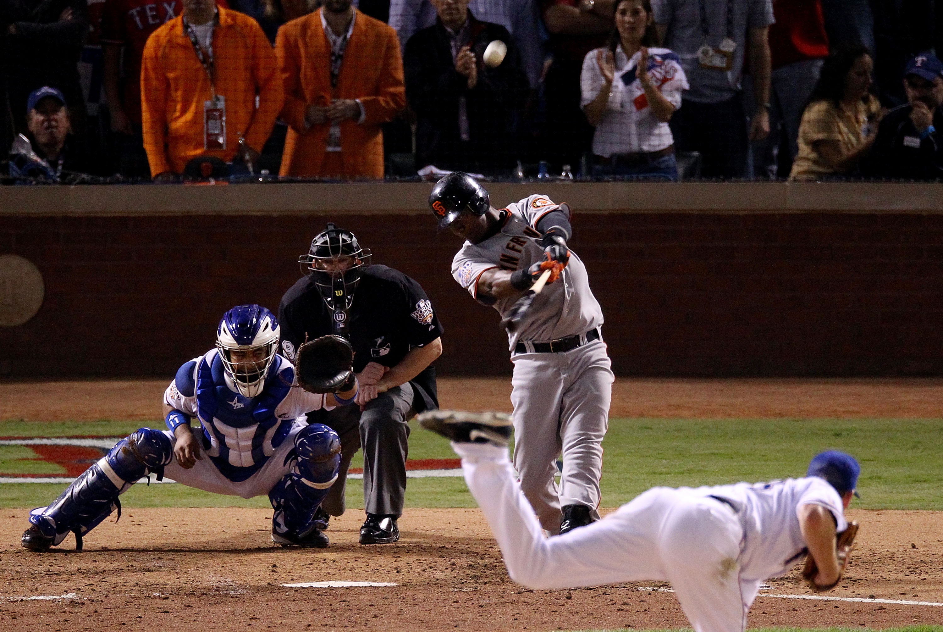 ARLINGTON, TX - NOVEMBER 01: Edgar Renteria #16 of the San Francisco Giants hits a 3-run homer to centerfield against starting pitcher Cliff Lee #33 of the Texas Rangers in the top of the seventh inning of Game Five of the 2010 MLB World Series at Rangers