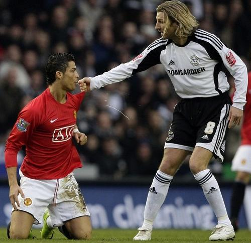 Top 50 Most Hated Players in World Football History  Ronaldo 80f5be533