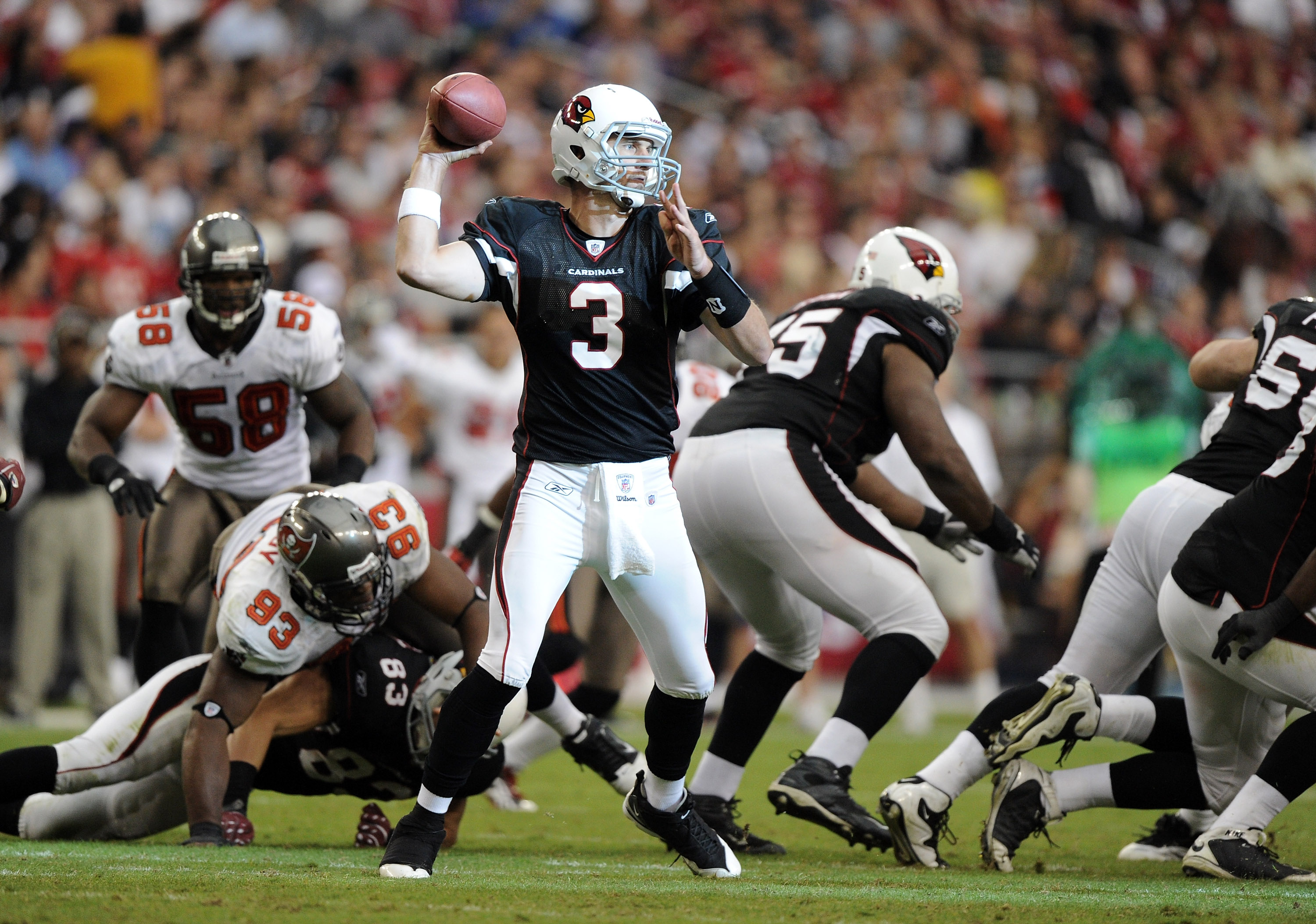 GLENDALE, AZ - OCTOBER 31:  Derek Anderson #3 of the Arizona Cardinals passes in the pocket against the Tampa Bay Buccaneers at University of Phoenix Stadium on October 31, 2010 in Glendale, Arizona.  (Photo by Harry How/Getty Images)