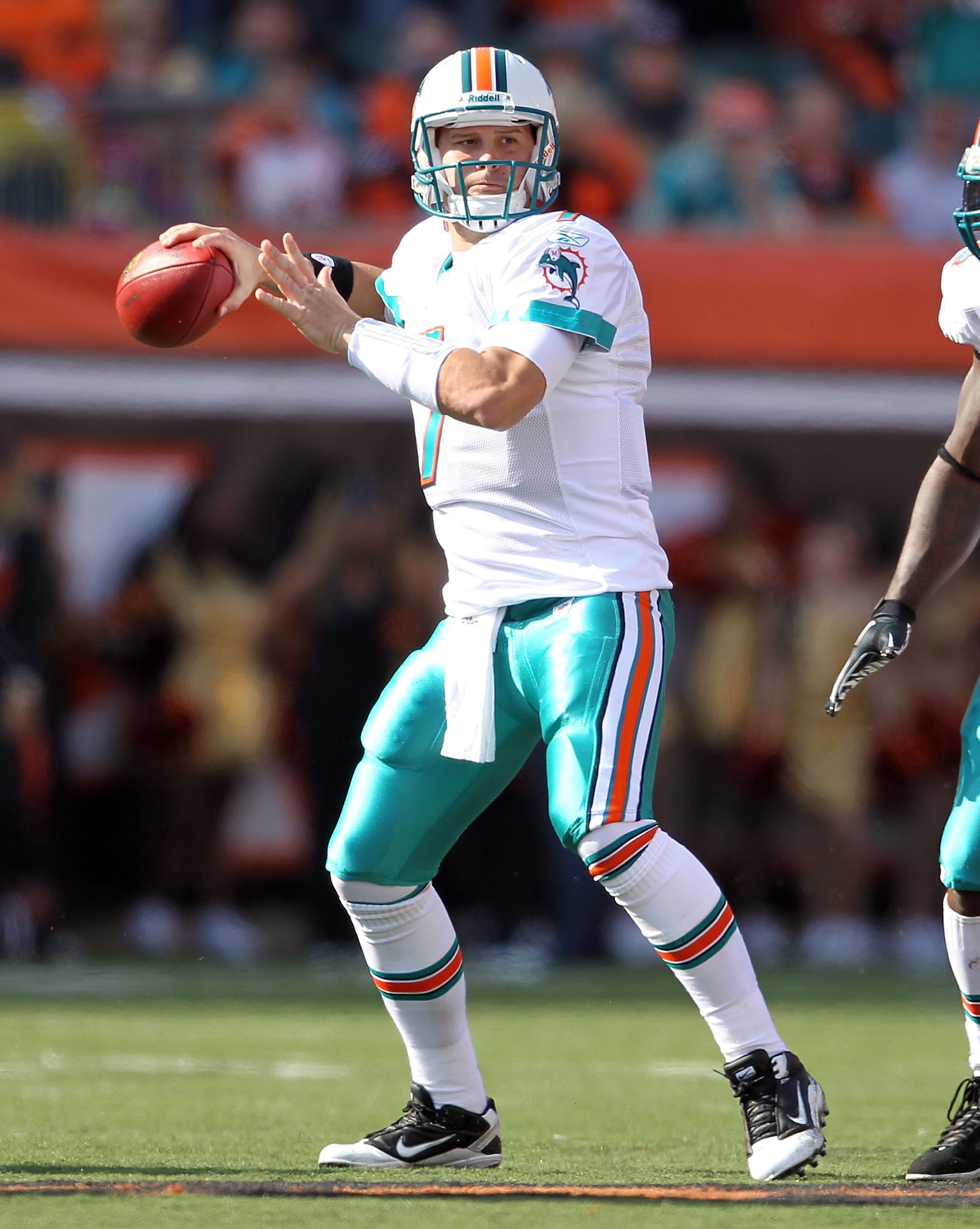 CINCINNATI - OCTOBER 31:  Chad Henne #7 of the Miami Dolphins throws a pass during the NFL game against the Cincinnati Bengals at Paul Brown Stadium on October 31, 2010 in Cincinnati, Ohio.  (Photo by Andy Lyons/Getty Images)