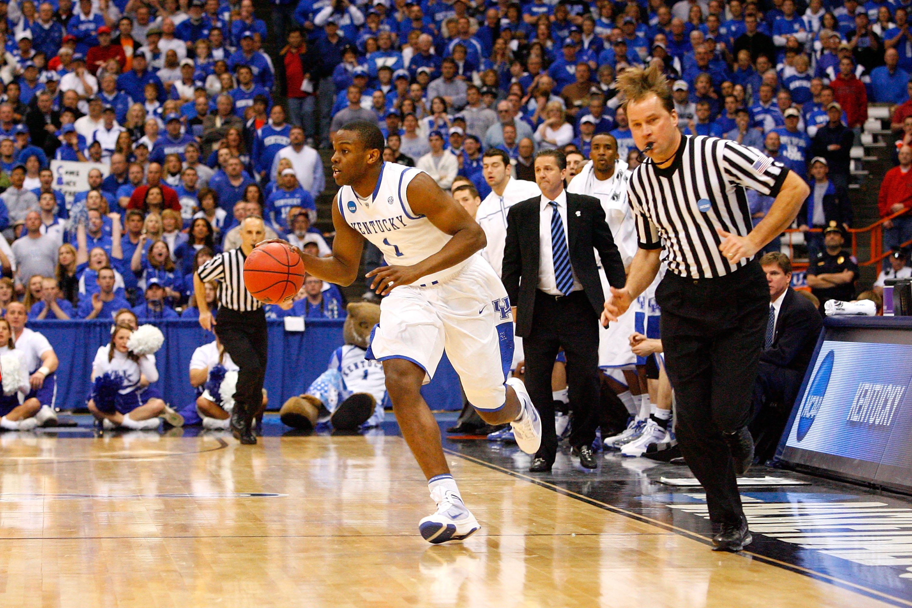 SYRACUSE, NY - MARCH 25:  Darius Miller #1 of the Kentucky Wildcats brings the ball up court against the Cornell Big Red during the east regional semifinal of the 2010 NCAA men's basketball tournament at the Carrier Dome on March 25, 2010 in Syracuse, New