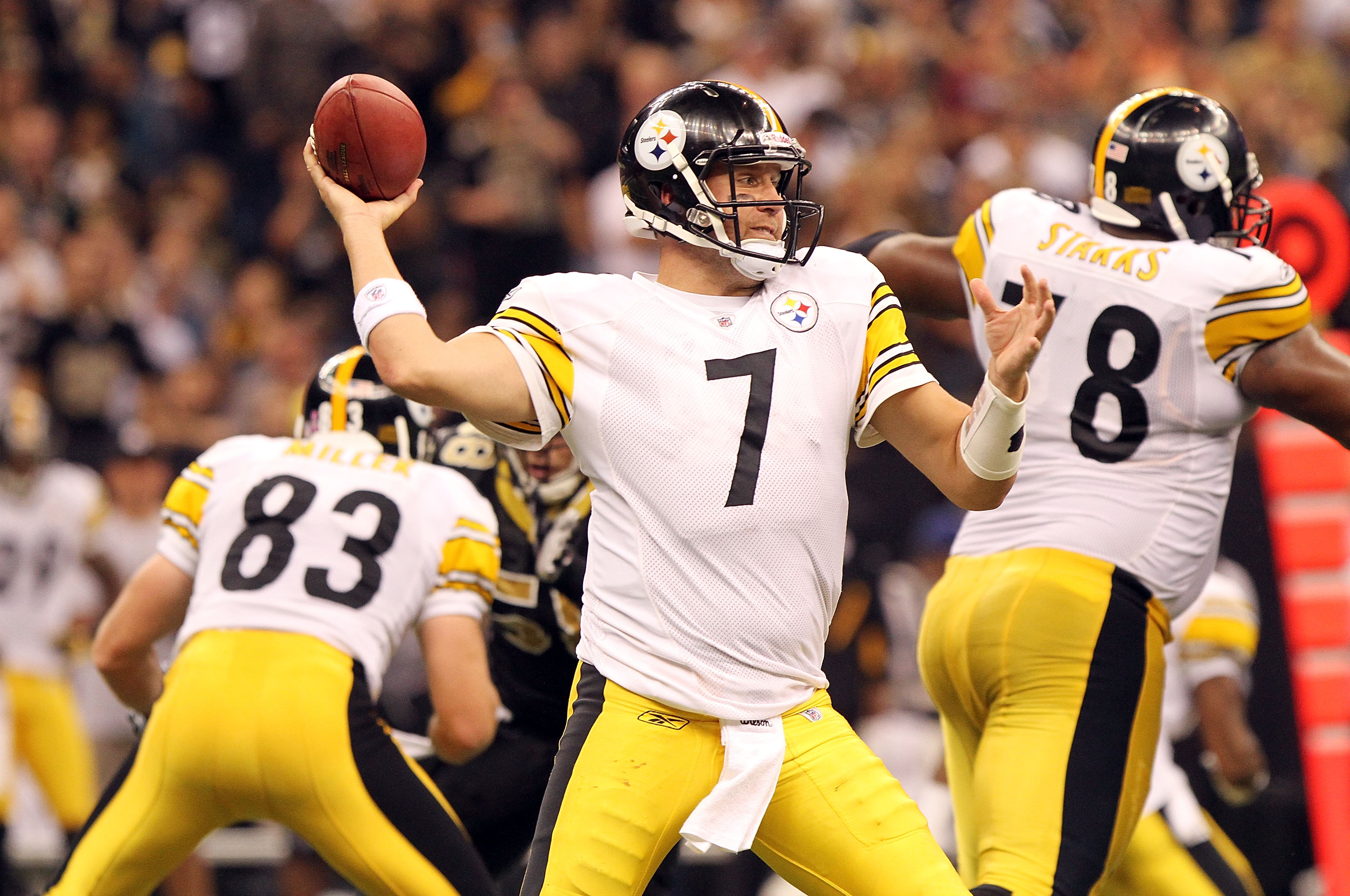 NEW ORLEANS, LA - OCTOBER 31: Ben Roethlisberger #7 of the Pittsburgh Steelers throws the ball against the New Orleans Saints at the Louisiana Superdome on October 31, 2010 in New Orleans, Louisiana. (Photo by Matthew Sharpe/Getty Images)