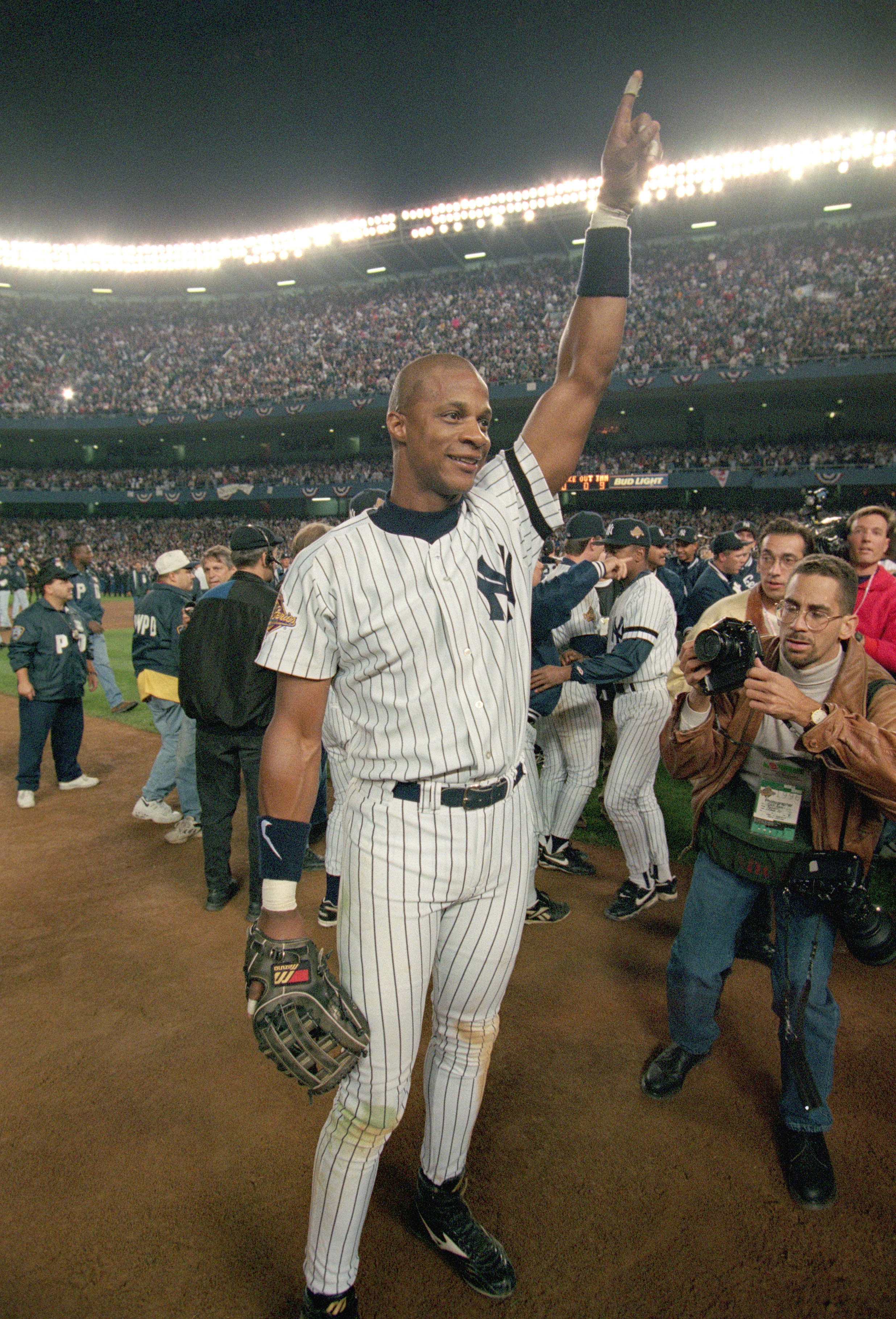BRONX, NY - OCTOBER 26:  Darryl Strawberry #39 of the New York Yankees celebrates his team's victory in Game six of the 1996 World Series against the Atlanta Braves at Yankee Stadium on October 26, 1996 in the Bronx, New York. The Yankees defeated the Bra