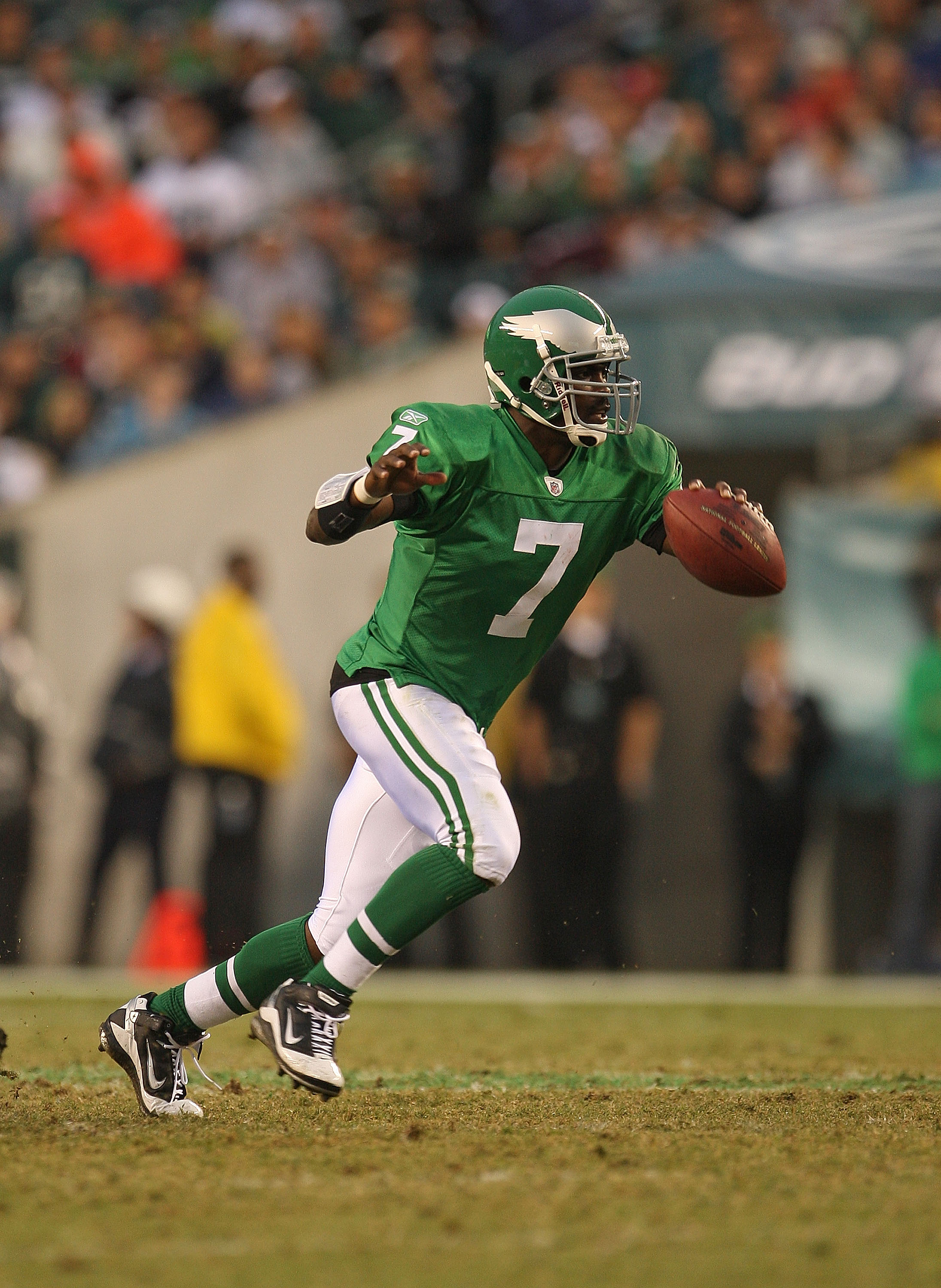 big sale 97f50 7732b Michael Vick: 10 Reasons Why He'll Become Philadelphia ...