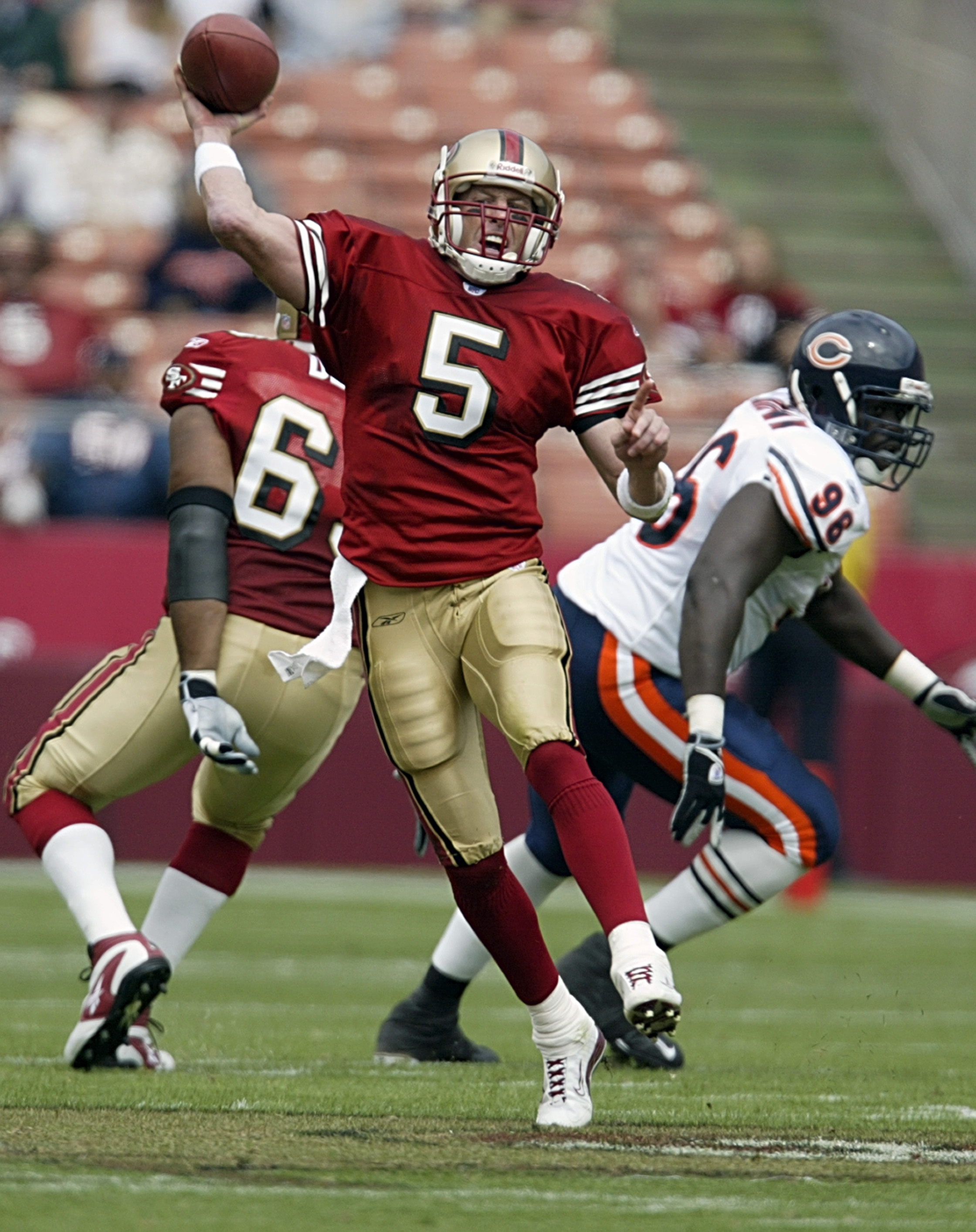 Jeff Garcia Throws A Pass Against The Bears