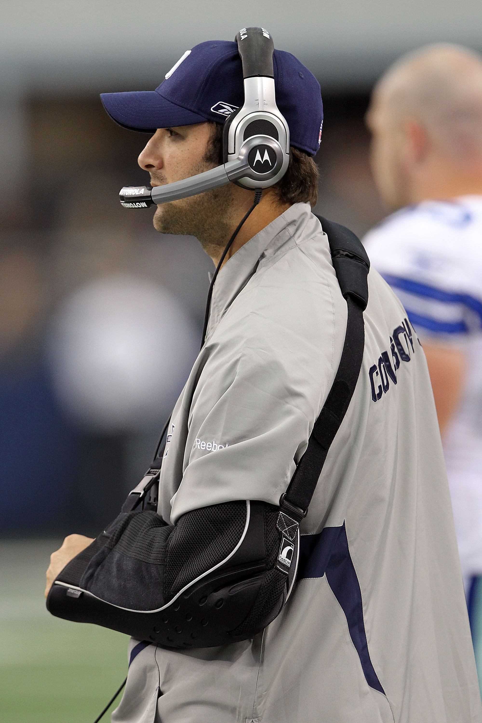 ARLINGTON, TX - OCTOBER 31:  Injured quarterback Tony Romo of the Dallas Cowboys looks on from the sideline against the Jacksonville Jaguars at Cowboys Stadium on October 31, 2010 in Arlington, Texas.  (Photo by Ronald Martinez/Getty Images)