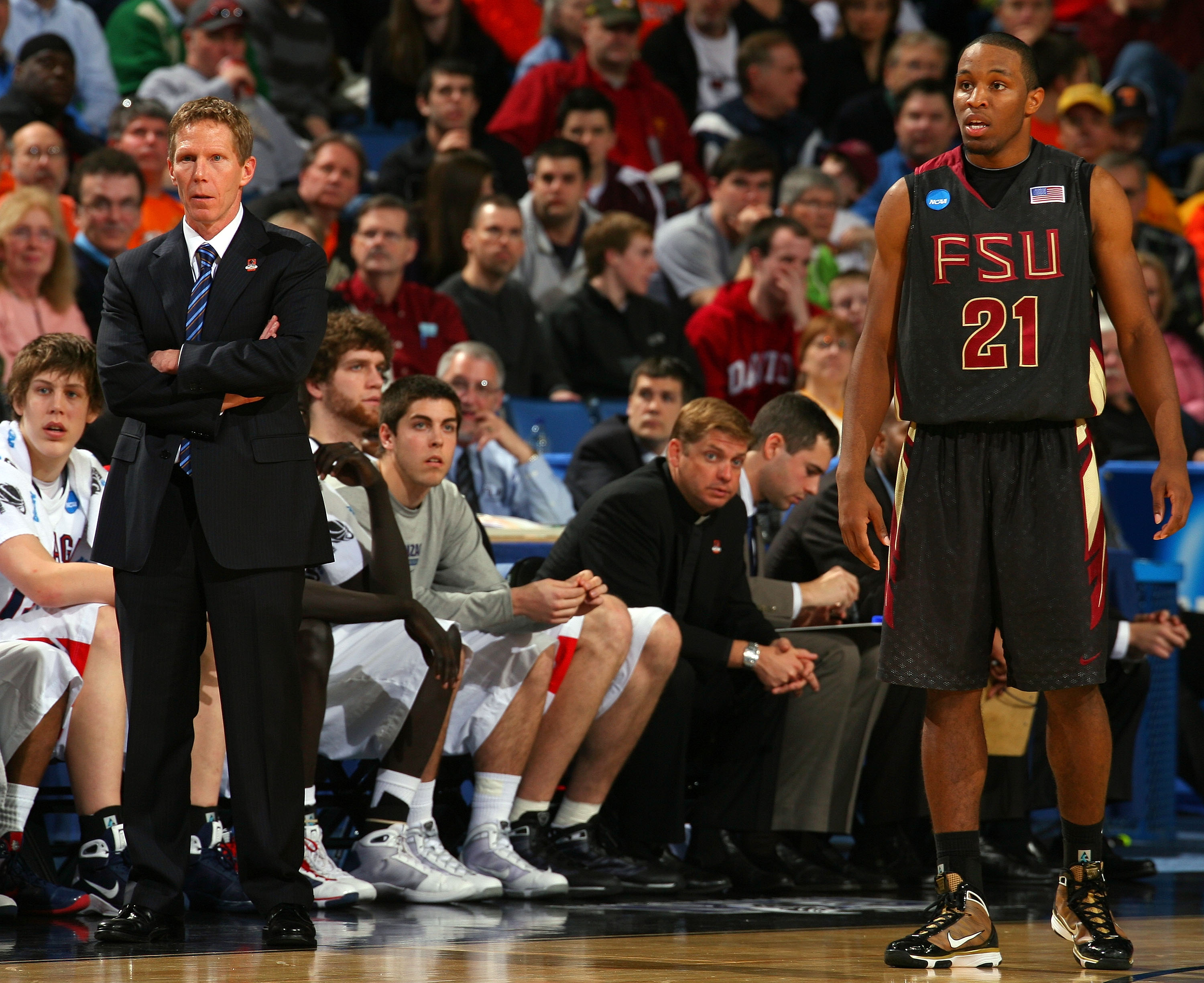 BUFFALO, NY - MARCH 19:  Head coach Mark Few of the Gonzaga Bulldogs and Michael Snaer #21 of the Florida State Seminoles look on during the first round of the 2010 NCAA men's basketball tournament at HSBC Arena on March 19, 2010 in Buffalo, New York.  (P