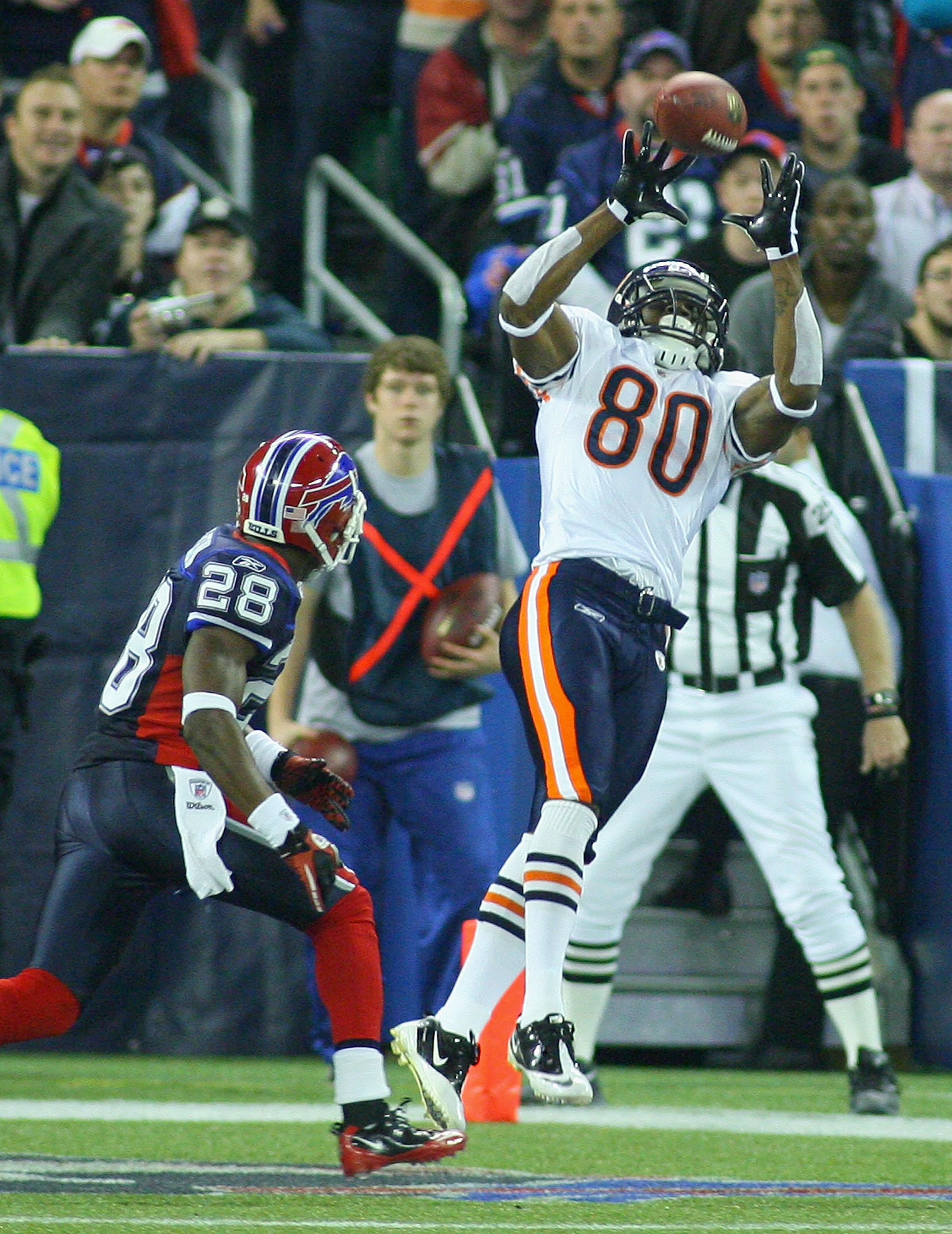 TORONTO, ON - NOVEMBER 07: Earl Bennett #80 of the Chicago Bears catches the game winning touchdown against Leodis McKelvin #28 of the Buffalo Bills  at Rogers Centre on November 7, 2010 in Toronto, Canada. Chicago won 22-19. (Photo by Rick Stewart/Getty