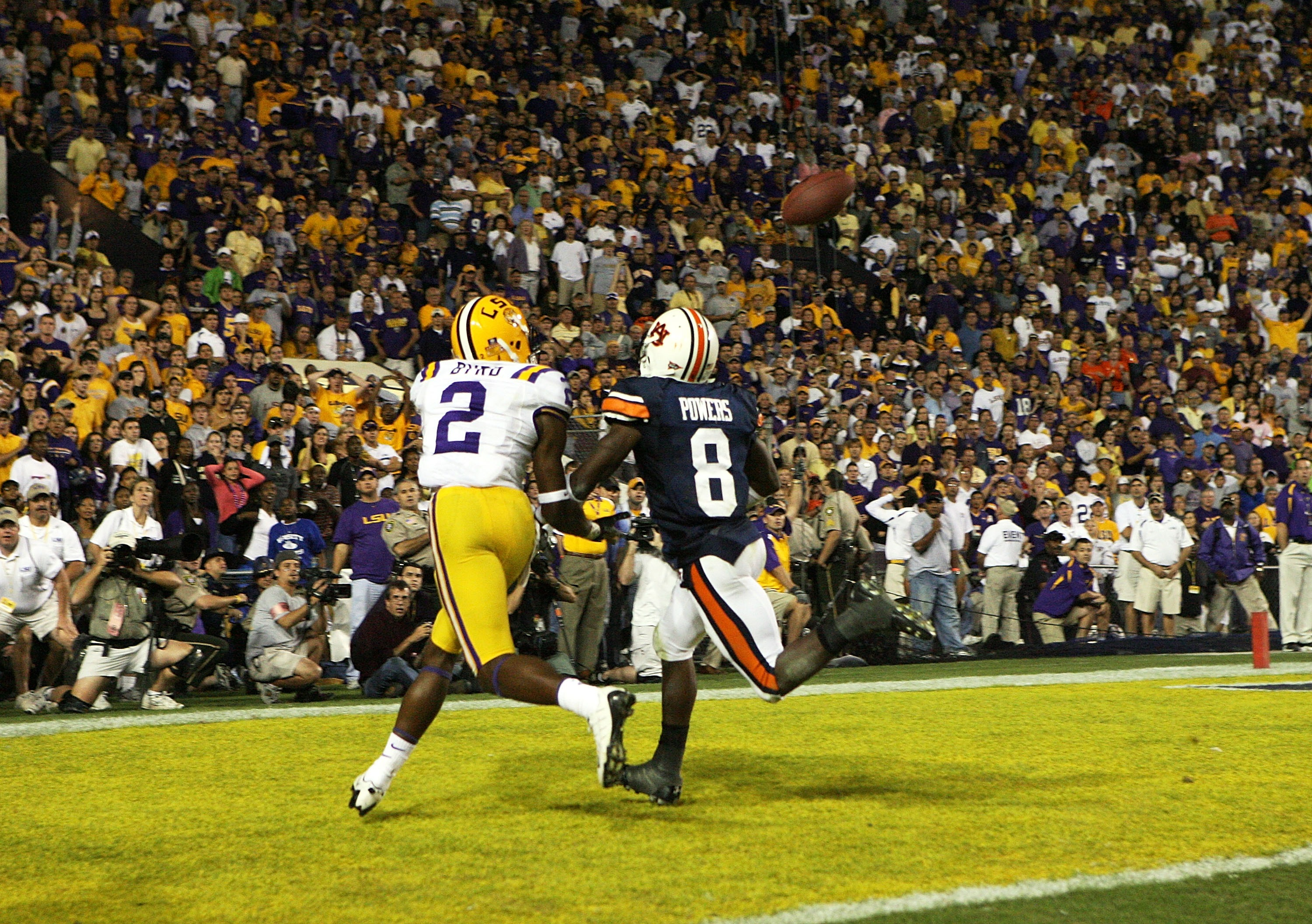 BATON ROUGE, LA - OCTOBER 20:  Defensive back Jerraud Powers #8 of the Auburn Tigers can't stop wide receiver Demetrius Byrd #2 of the LSU Tigers from making the game-winning catch at Tiger Stadium on October 20, 2007 in Baton Rouge, Louisiana. LSU defeat