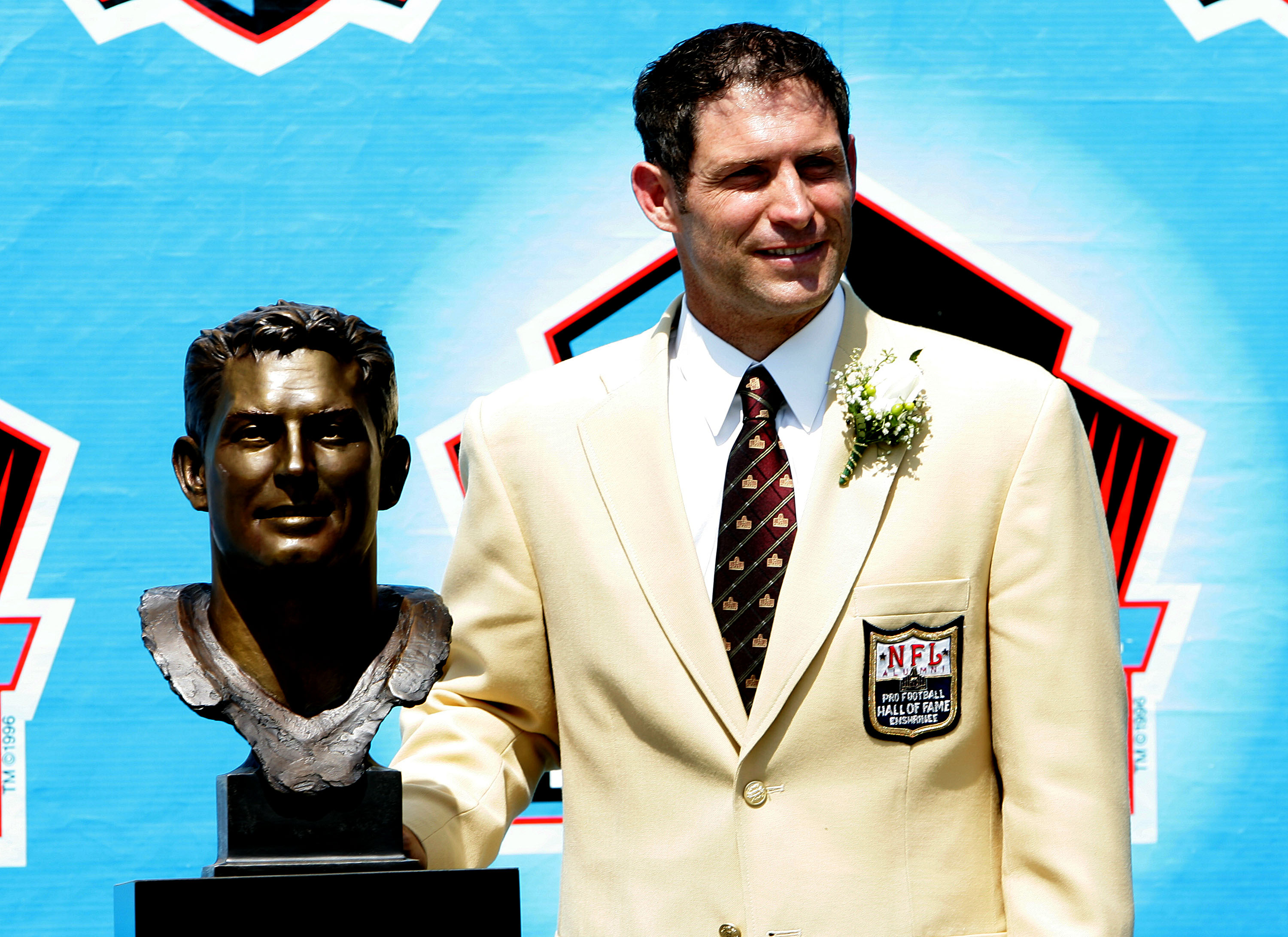 Hall Of Fame Quarterback Steve Young