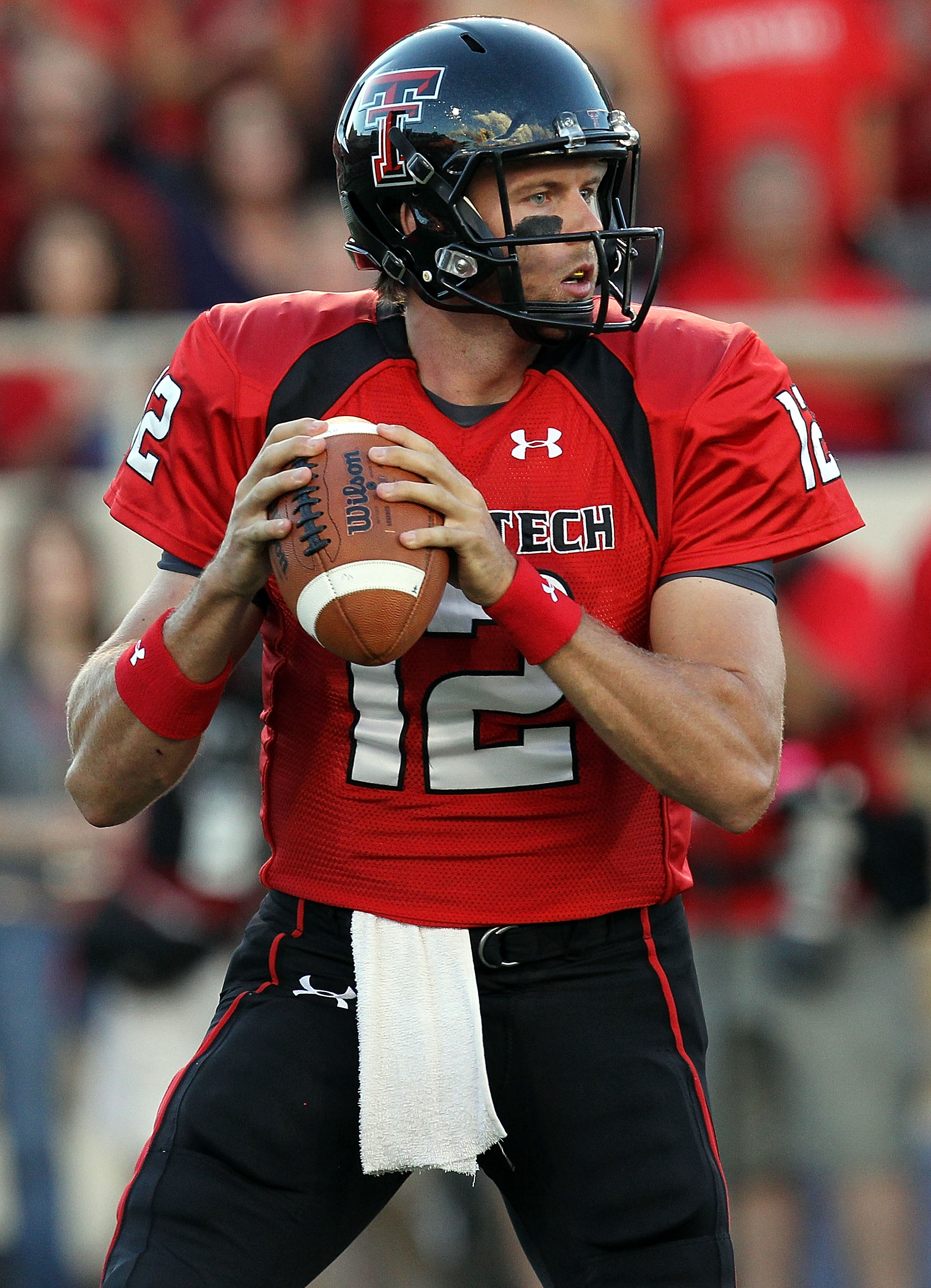 LUBBOCK, TX - SEPTEMBER 18:  Quarterback Taylor Potts #12 of the Texas Tech Red Raiders against the Texas Longhorns at Jones AT&T Stadium on September 18, 2010 in Lubbock, Texas.  (Photo by Ronald Martinez/Getty Images)