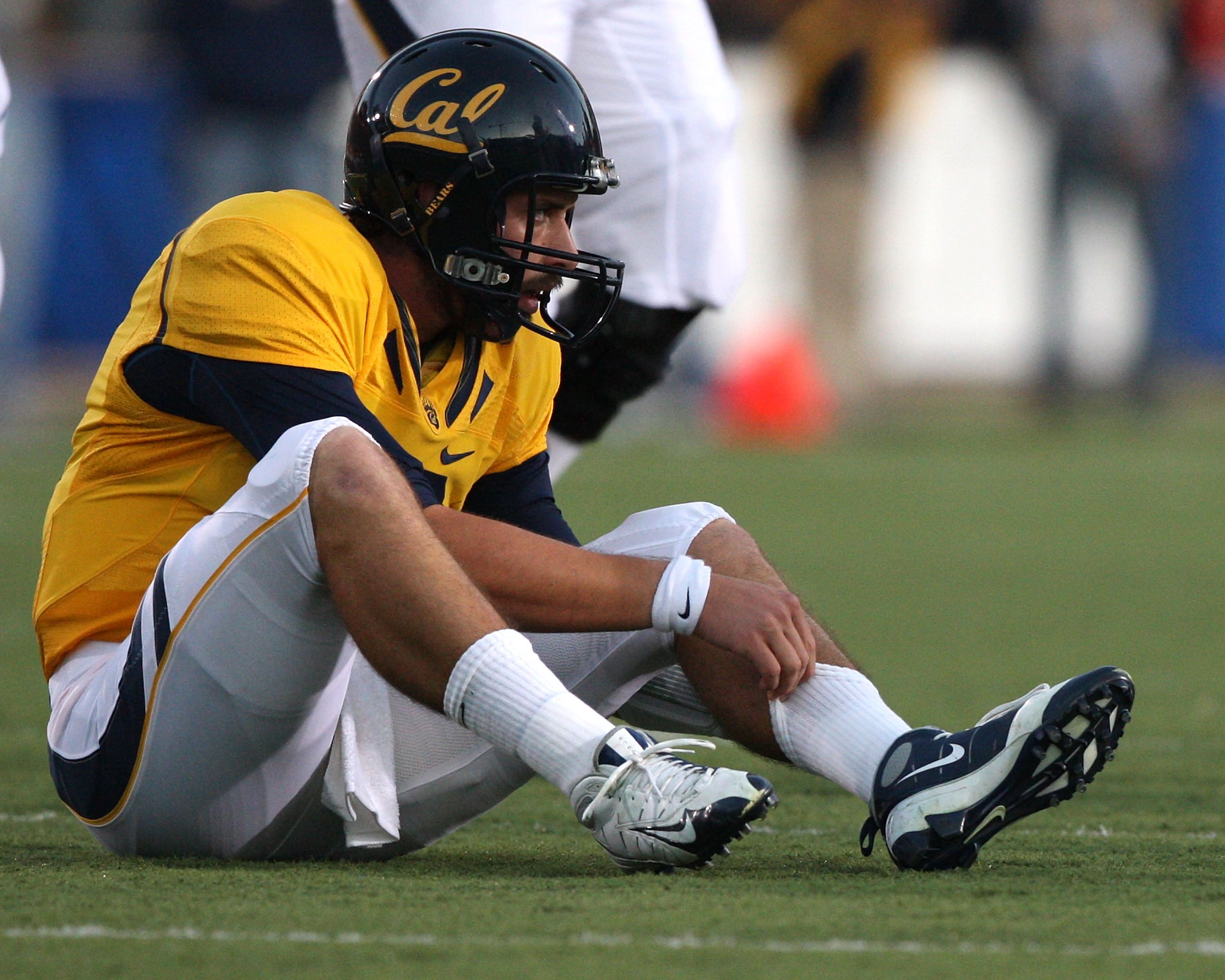 BERKELEY, CA - NOVEMBER 07:  Kevin Riley #13 of the California Golden Bears sits on the ground against the Oregon State Beavers at California Memorial Stadium on November 7, 2009 in Berkeley, California.  (Photo by Jed Jacobsohn/Getty Images)