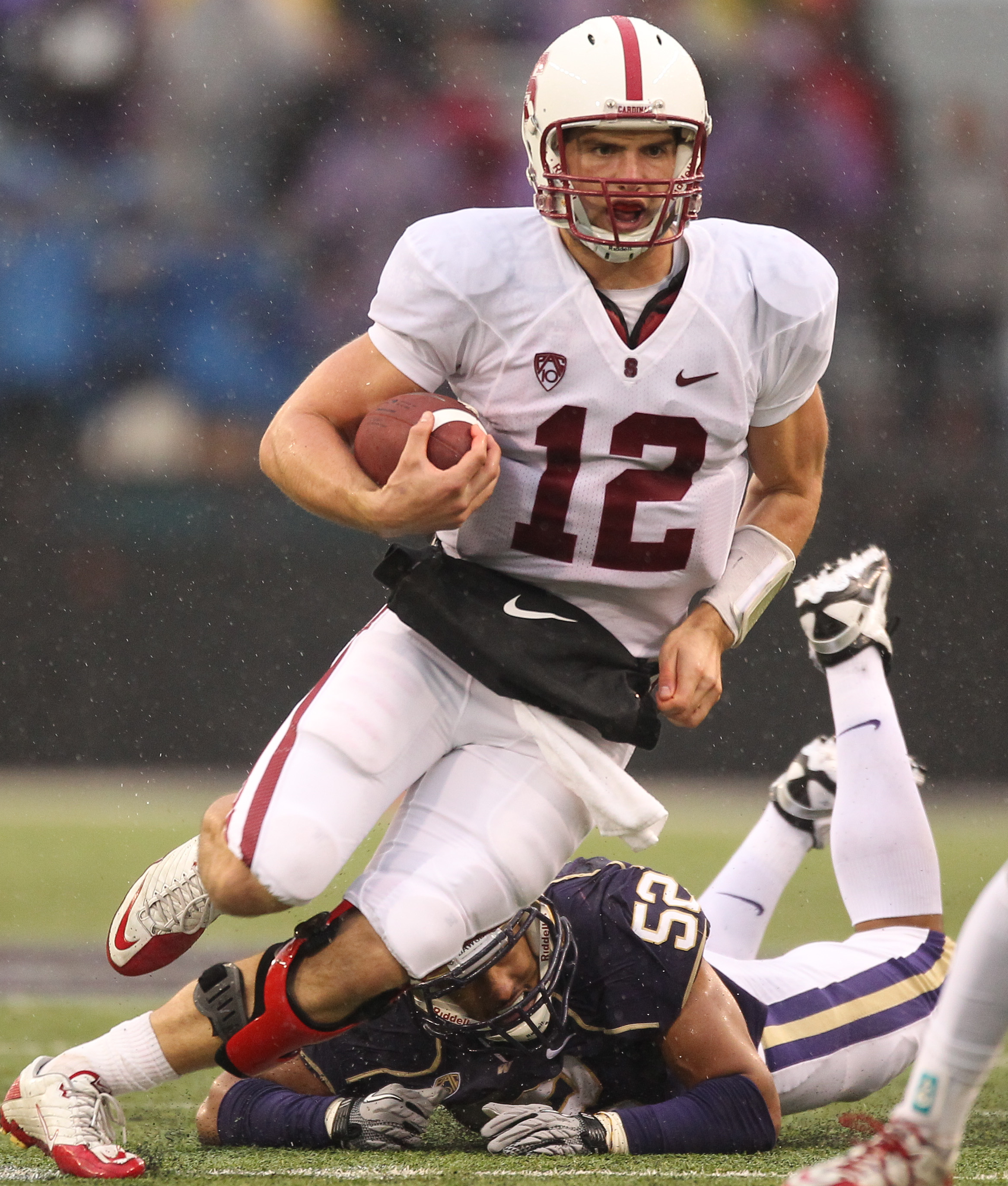 f0e5145f778 SEATTLE - OCTOBER 30  Quarterback Andrew Luck  12 of the Stanford Cardinal  rushes against