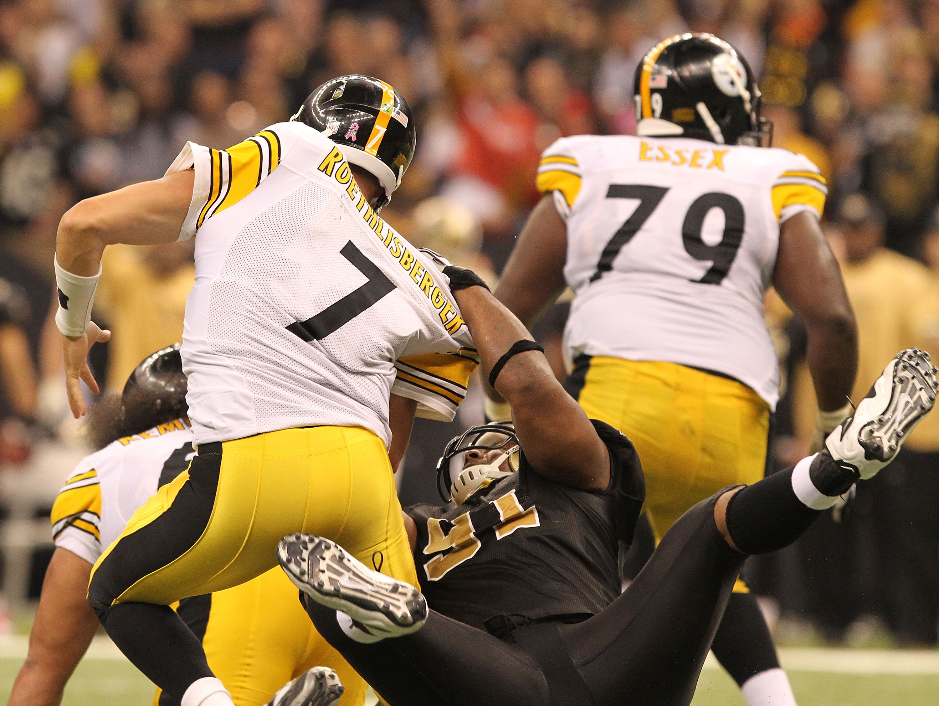 NEW ORLEANS - OCTOBER 31: Will Smith #91 of the New Orleans Saints sacks Ben Roethlisberger #7of the Pittsburgh Steelers at the Louisiana Superdome on October 31, 2010 in New Orleans, Louisiana. (Photo by Matthew Sharpe/Getty Images)