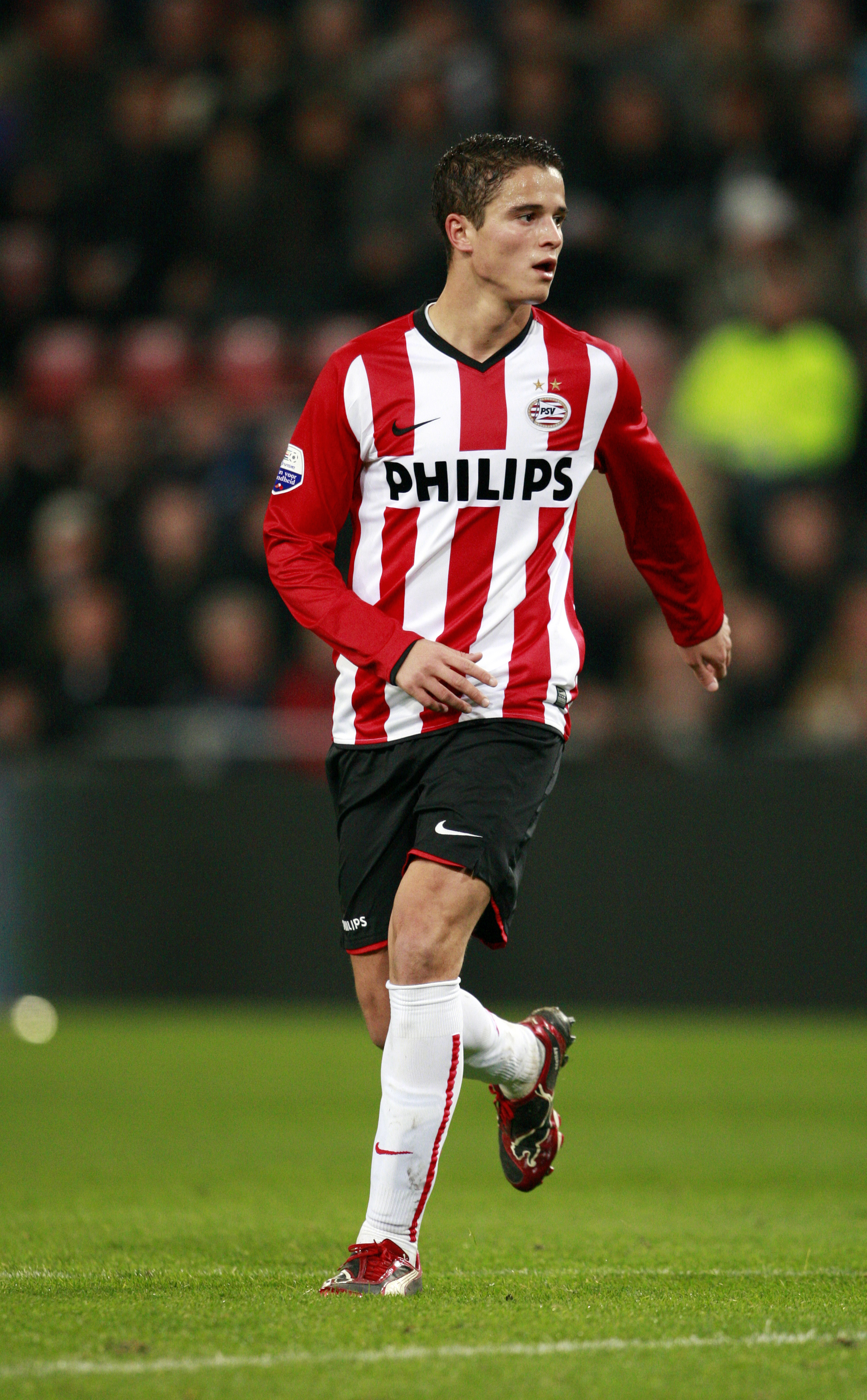 EINDHOVEN, NETHERLANDS - OCTOBER 31:  Ibrahim Afellay of PSV Eindhoven during the Eredivisie match between PSV Eindhoven and Vitesse held on October 31, 2009 at the Philips Stadion, in Eindhoven, Netherlands. (Photo by Anoek De Groot/EuroFootball/Getty Im