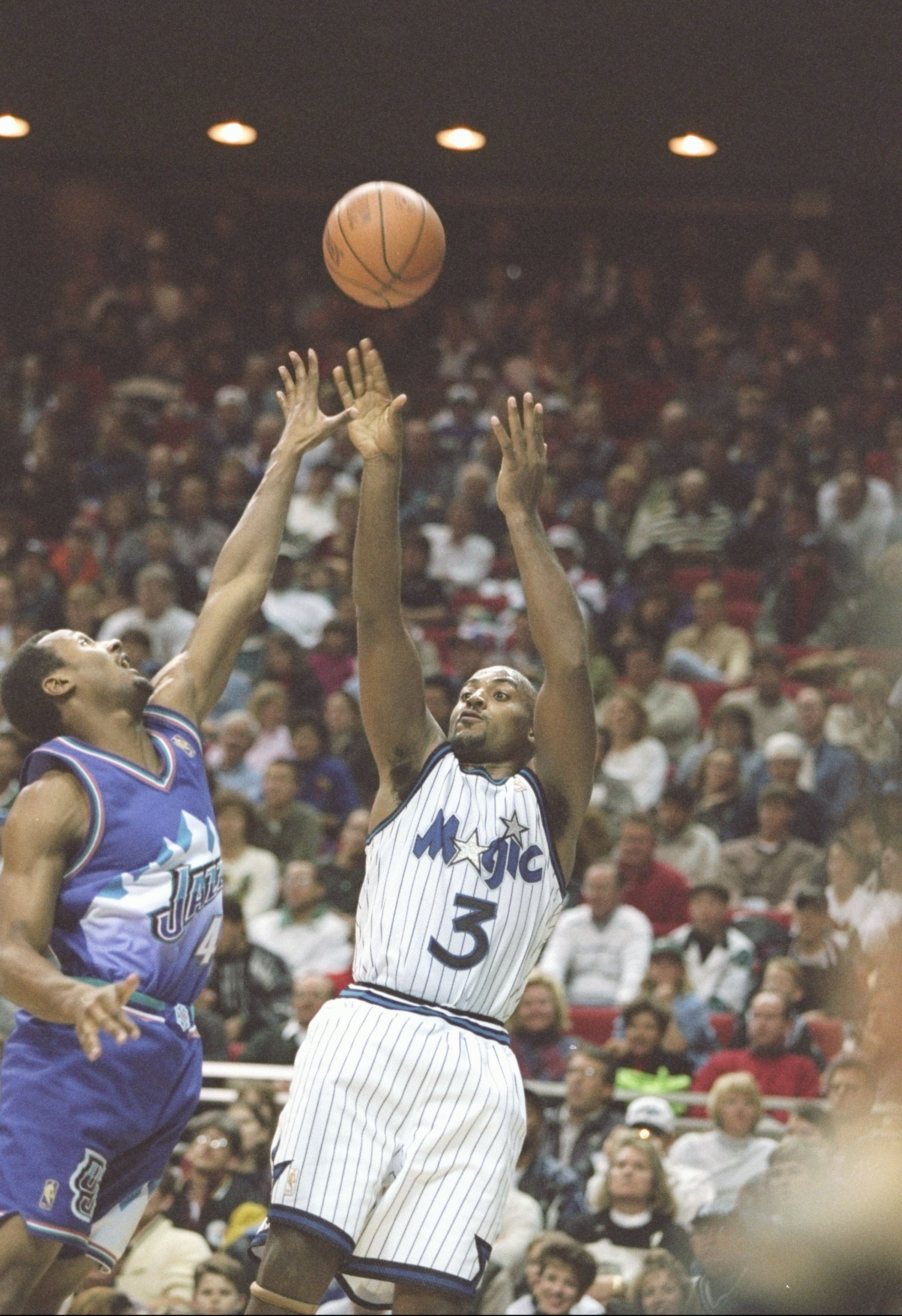 21 Dec 1996:  Forward Dennis Scott of the Orlando Magic shoots the ball during a game against the Utah Jazz at the Orlando Arena in Orlando, Florida. The Jazz won the game 98-93. Mandatory Credit: Andy Lyons  /Allsport