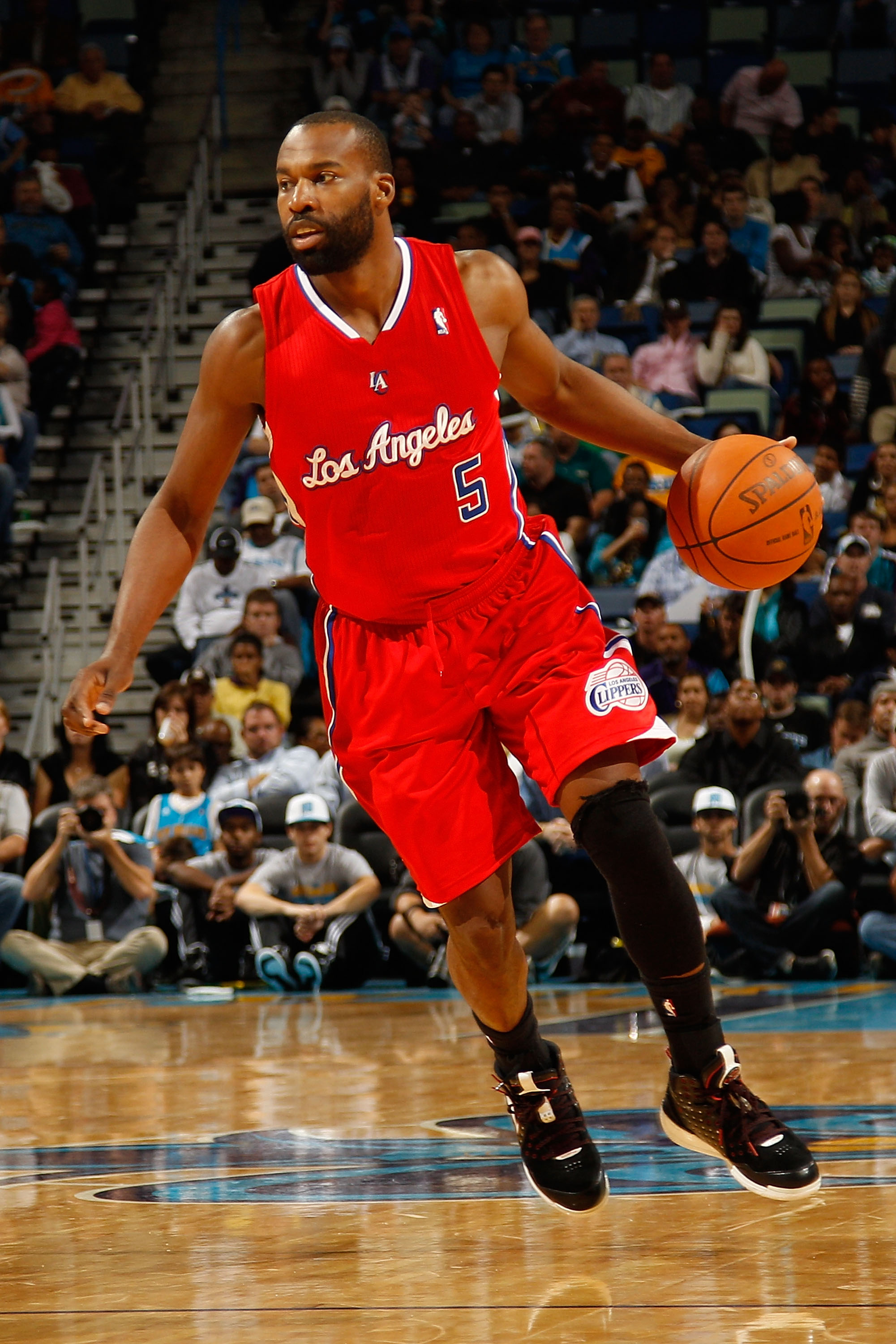 NEW ORLEANS - NOVEMBER 09:  Baron Davis #5 of the Los Angeles Clippers drives the ball down the court during the game against the New Orleans Hornets at the New Orleans Arena on November 9, 2010 in New Orleans, Louisiana. The Hornets defeated the Clippers