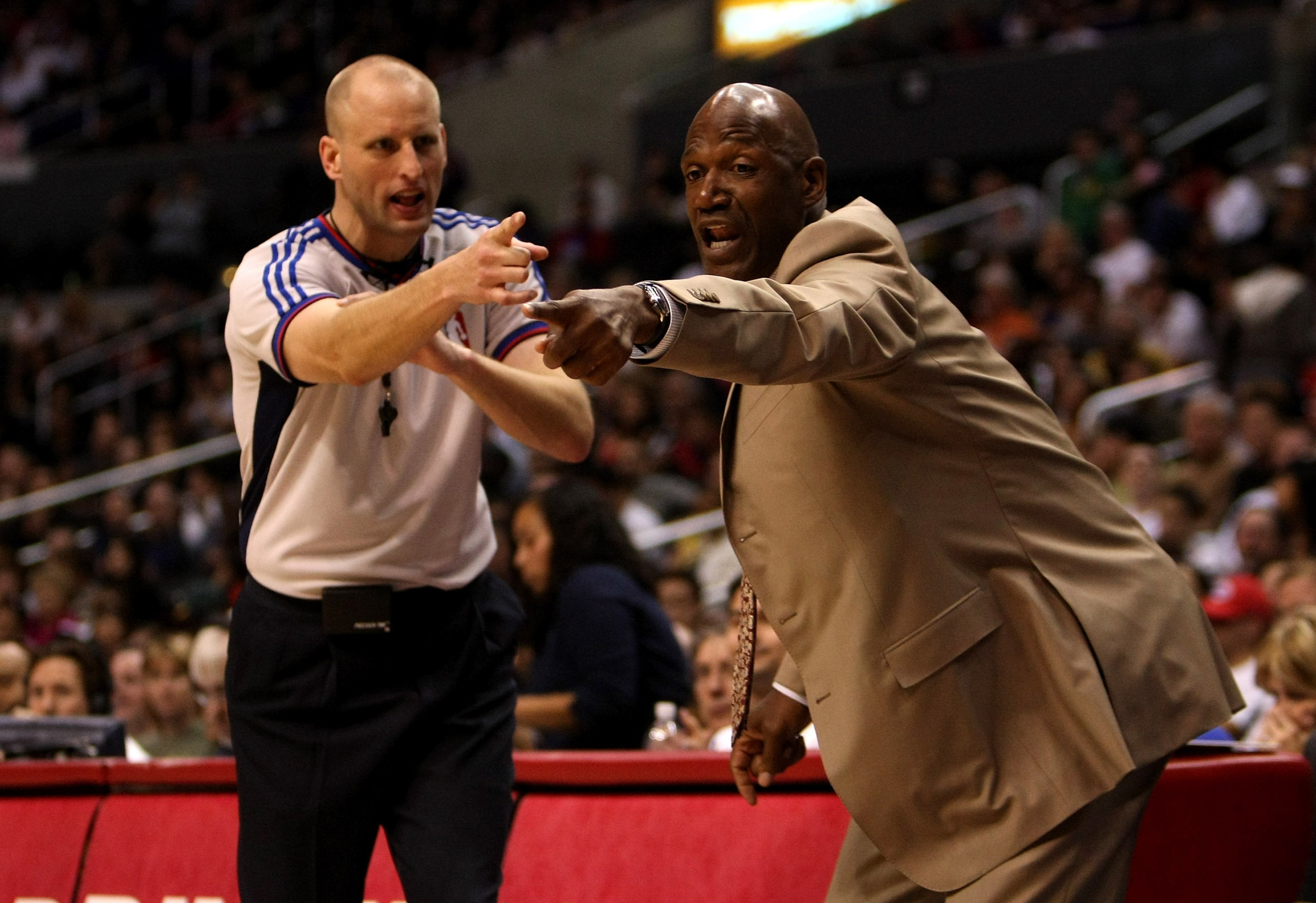 LOS ANGELES, CA - JANUARY 11:  Head coach Terry Porter of the Phoenix Suns argues with referee Eric Dalen during the game with the Los Angeles Clippers on January 11, 2009 at Staples Center in Los Angeles, California.  The Suns won 109-103.   NOTE TO USER