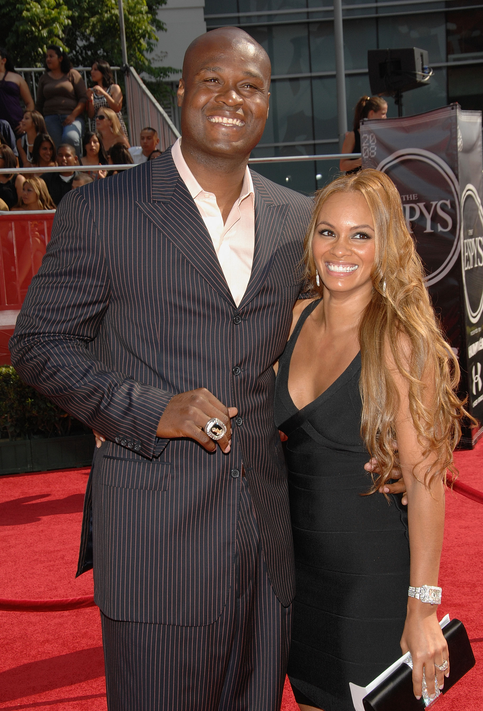 LOS ANGELES, CA - JULY 16:  NBA athlete Antoine Walker and guest arrive at the 2008 ESPY Awards held at NOKIA Theatre L.A. LIVE on July 16, 2008 in Los Angeles, California.  The 2008 ESPYs will air on Sunday, July 20 at 9PM ET on ESPN.  (Photo by Stephen