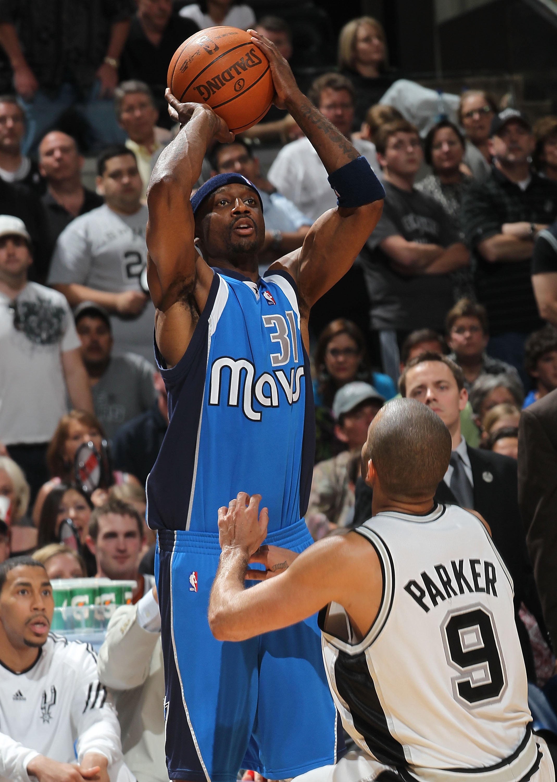 SAN ANTONIO - APRIL 25:  Jason Terry #31 of the Dallas Mavericks in Game Four of the Western Conference Quarterfinals during the 2010 NBA Playoffs at AT&T Center on April 25, 2010 in San Antonio, Texas. NOTE TO USER: User expressly acknowledges and agrees