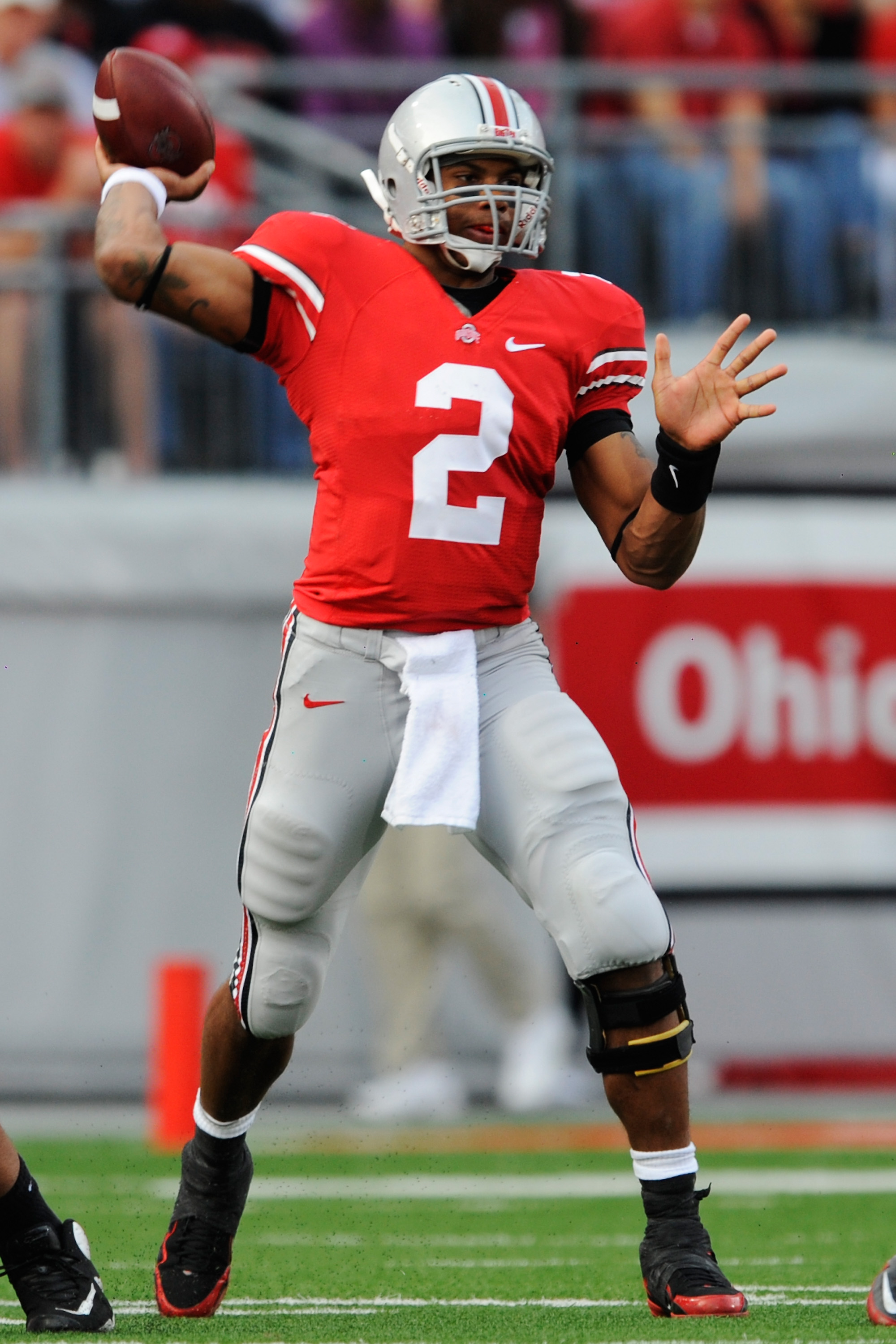 COLUMBUS, OH - NOVEMBER 13:  Terrelle Pryor #2 of the Ohio State Buckeyes completes a pass against the Penn State Nittany Lions at Ohio Stadium on November 13, 2010 in Columbus, Ohio.  (Photo by Jamie Sabau/Getty Images)