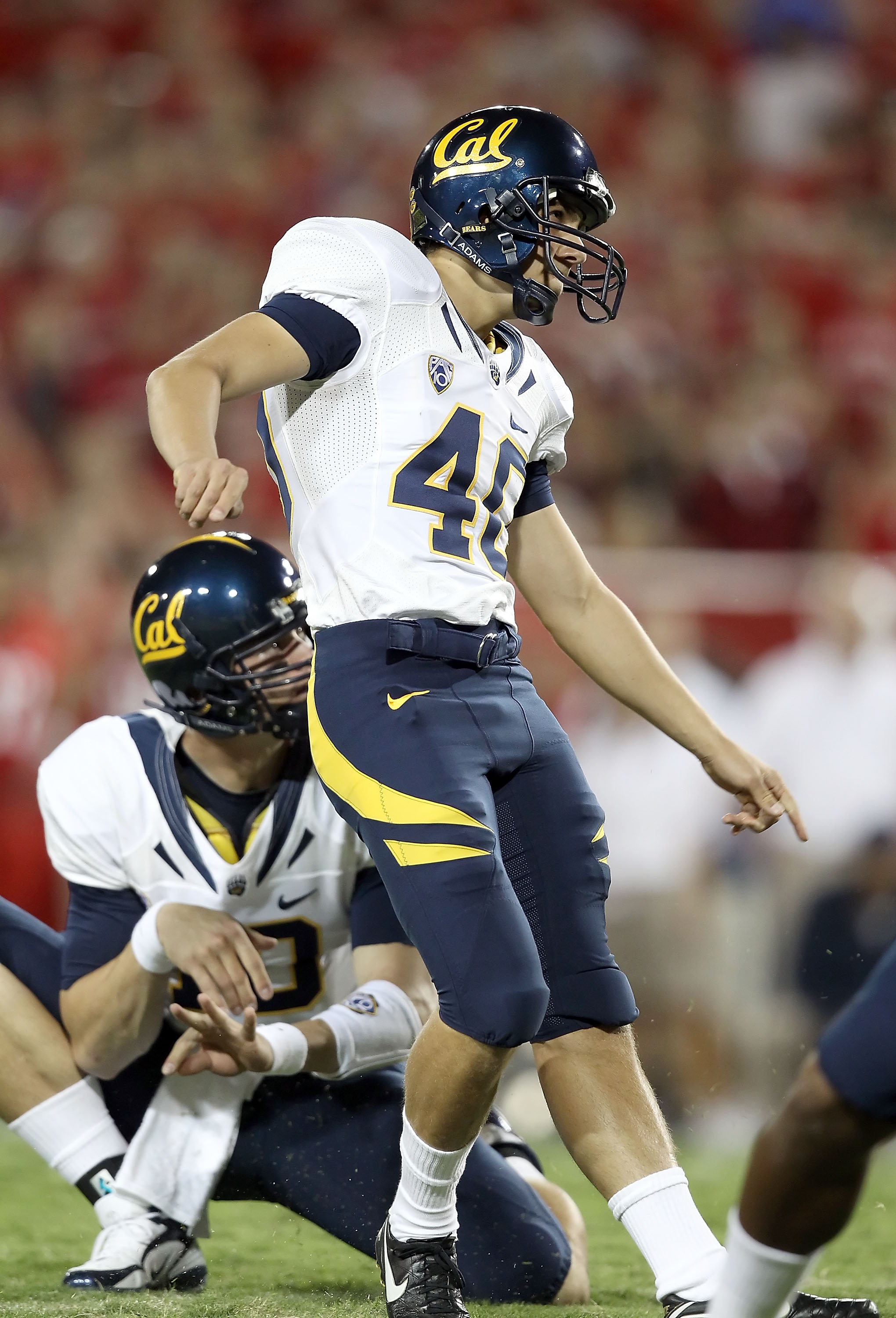 TUCSON, AZ - SEPTEMBER 25:  Kicker Giorgio Tavecchio #40 of the California Golden Bears attempts a field goal against the Arizona Wildcats during the college football game at Arizona Stadium on September 25, 2010 in Tucson, Arizona. The Wildcats defeated