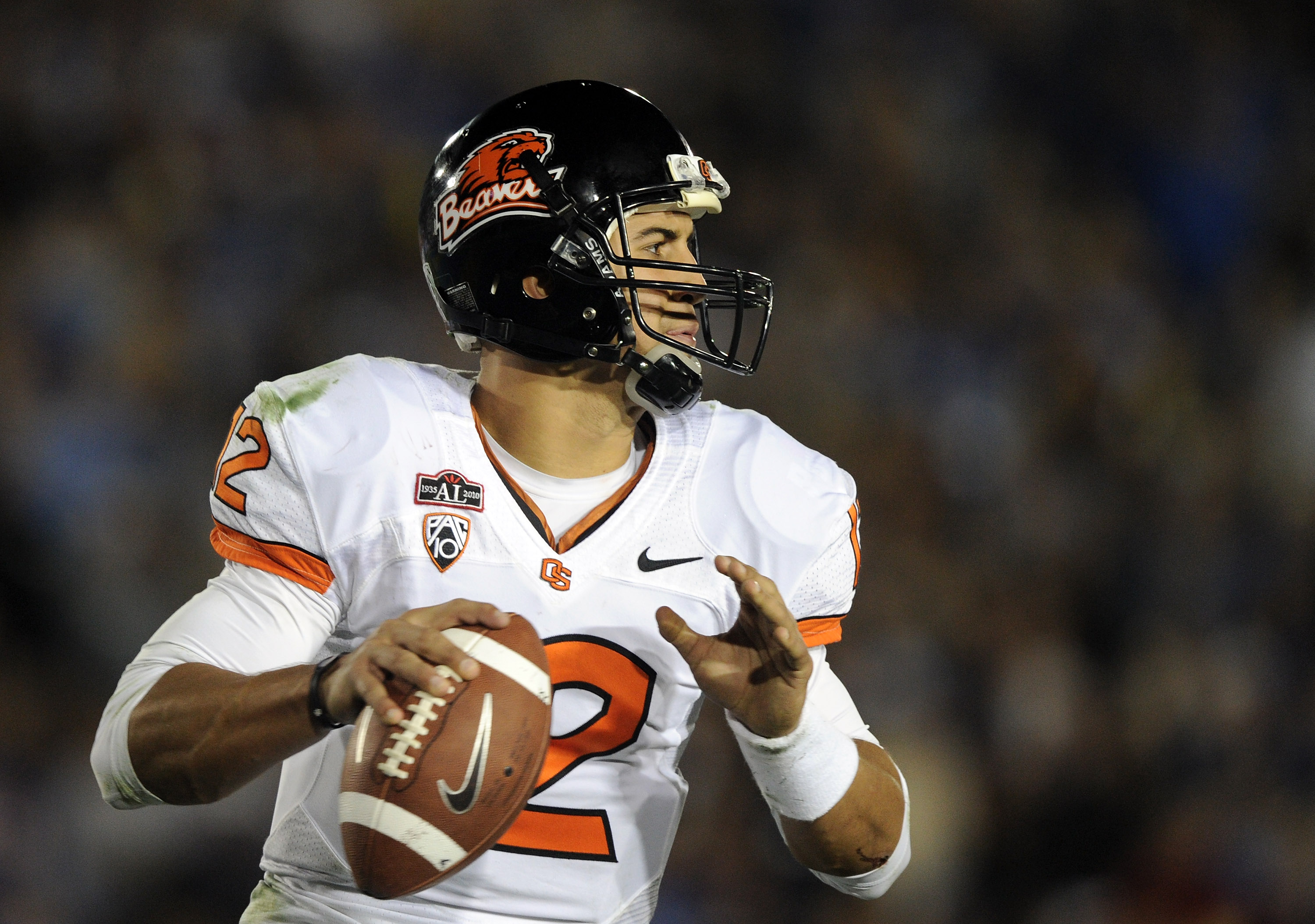 PASADENA, CA - NOVEMBER 06:  Ryan Katz #12 of the Oregon State Beavers looks to pass against the UCLA Bruins during the game at the Rose Bowl on November 6, 2010 in Pasadena, California.  (Photo by Harry How/Getty Images)