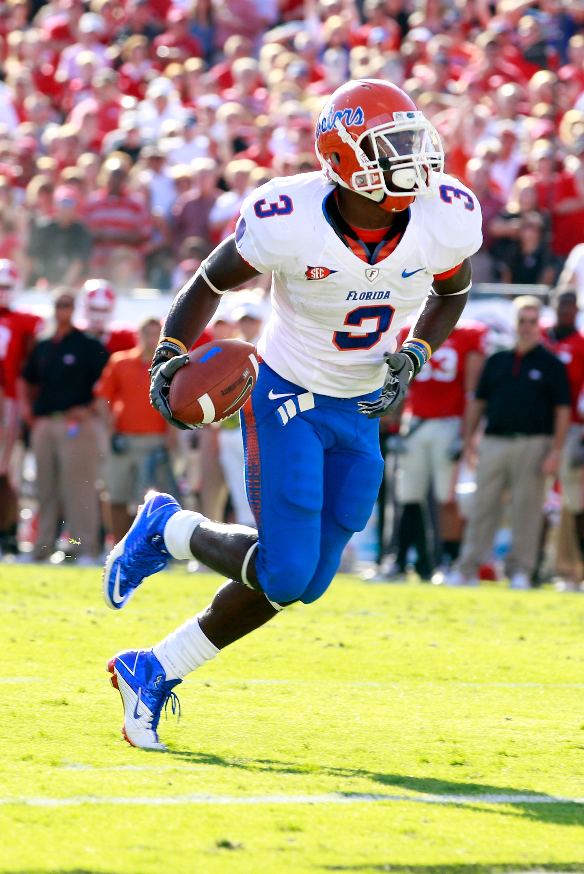 JACKSONVILLE, FL - OCTOBER 30:  Chris Rainey #3 of the Florida Gators runs for a touchdown during the game against the Georgia Bulldogs at EverBank Field on October 30, 2010 in Jacksonville, Florida.  (Photo by Sam Greenwood/Getty Images)