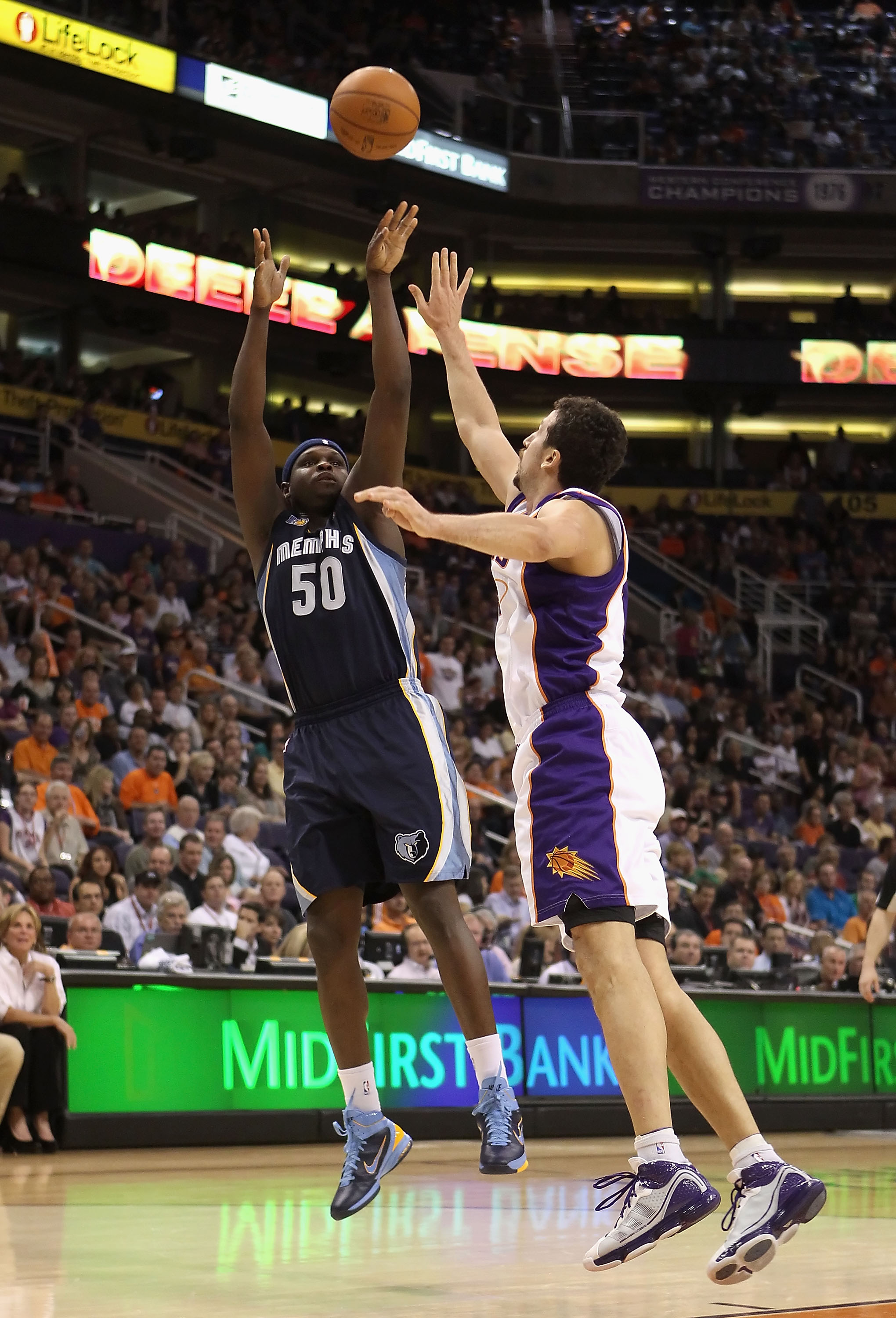 PHOENIX - NOVEMBER 05:  Zach Randolph #50 of the Memphis Grizzlies puts up a shot during the NBA game against the Phoenix Suns at US Airways Center on November 5, 2010 in Phoenix, Arizona. NOTE TO USER: User expressly acknowledges and agrees that, by down