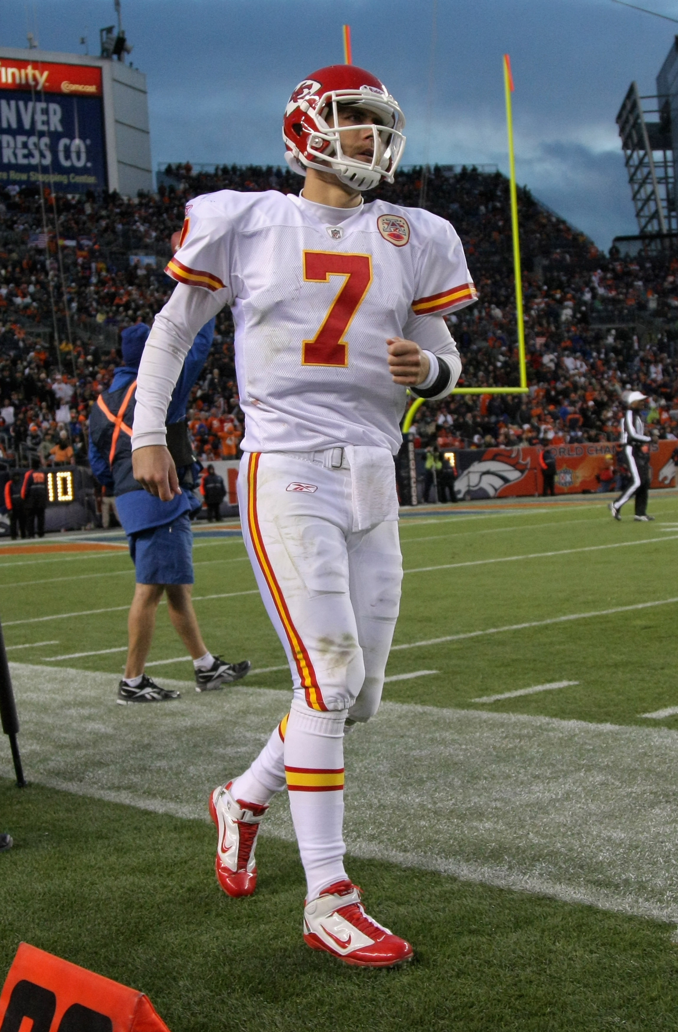 DENVER - NOVEMBER 14:  Quarterback Matt Cassel #7 of the Kansas City Chiefs heads to the bench against the Denver Bronco at INVESCO Field at Mile High on November 14, 2010 in Denver, Colorado. The Broncos defeated the Chiefs 49-29.  (Photo by Doug Pensing