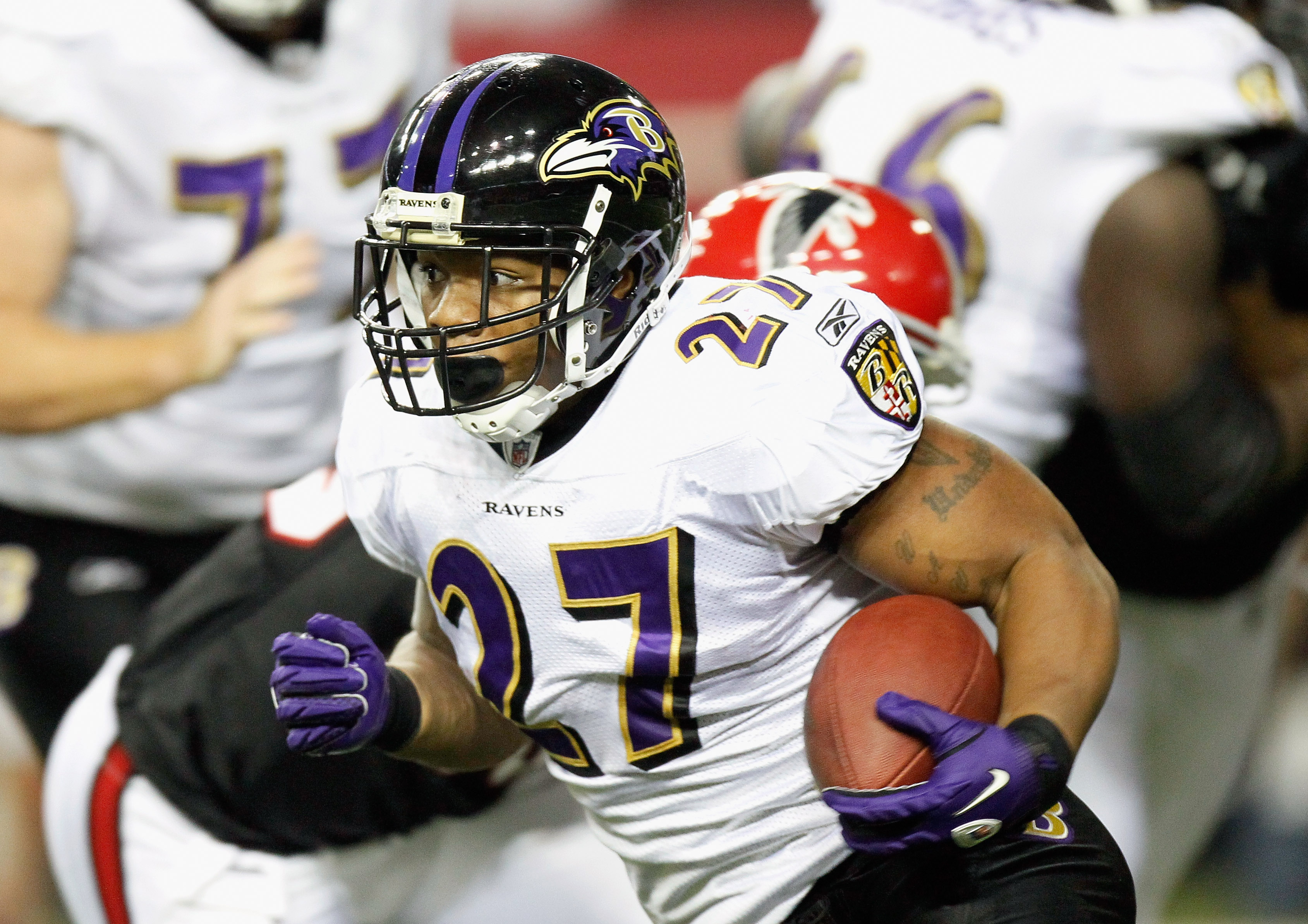 ATLANTA - NOVEMBER 11:  Ray Rice #27 of the Baltimore Ravens rushes upfield against the Atlanta Falcons at Georgia Dome on November 11, 2010 in Atlanta, Georgia.  (Photo by Kevin C. Cox/Getty Images)