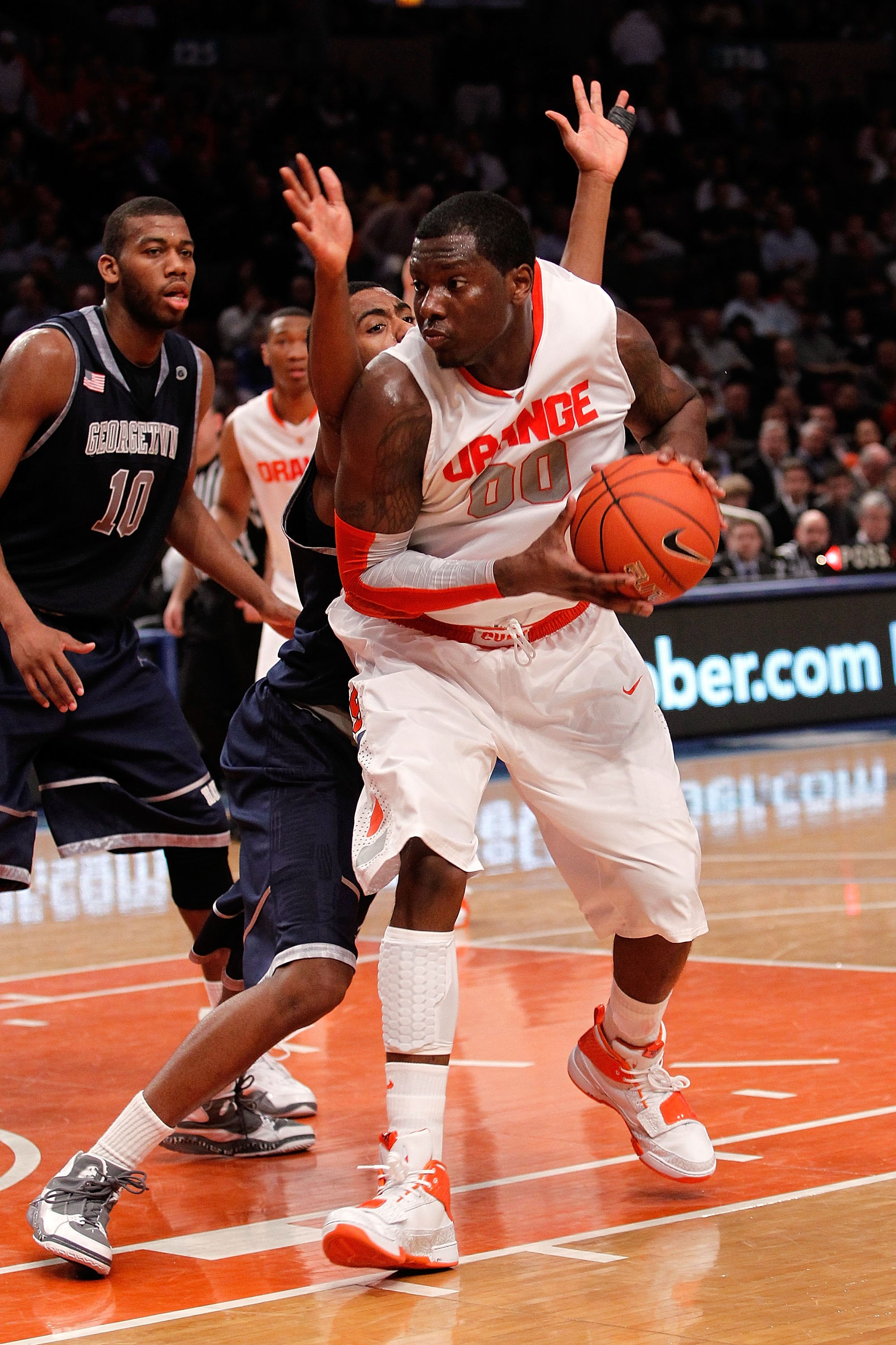 NEW YORK - MARCH 11:  Rick Jackson #00 of the Syracuse Orange handles the ball during the quarterfinal of the 2010 NCAA Big East Tournament at Madison Square Garden on March 11, 2010 in New York City.  (Photo by Michael Heiman/Getty Images)