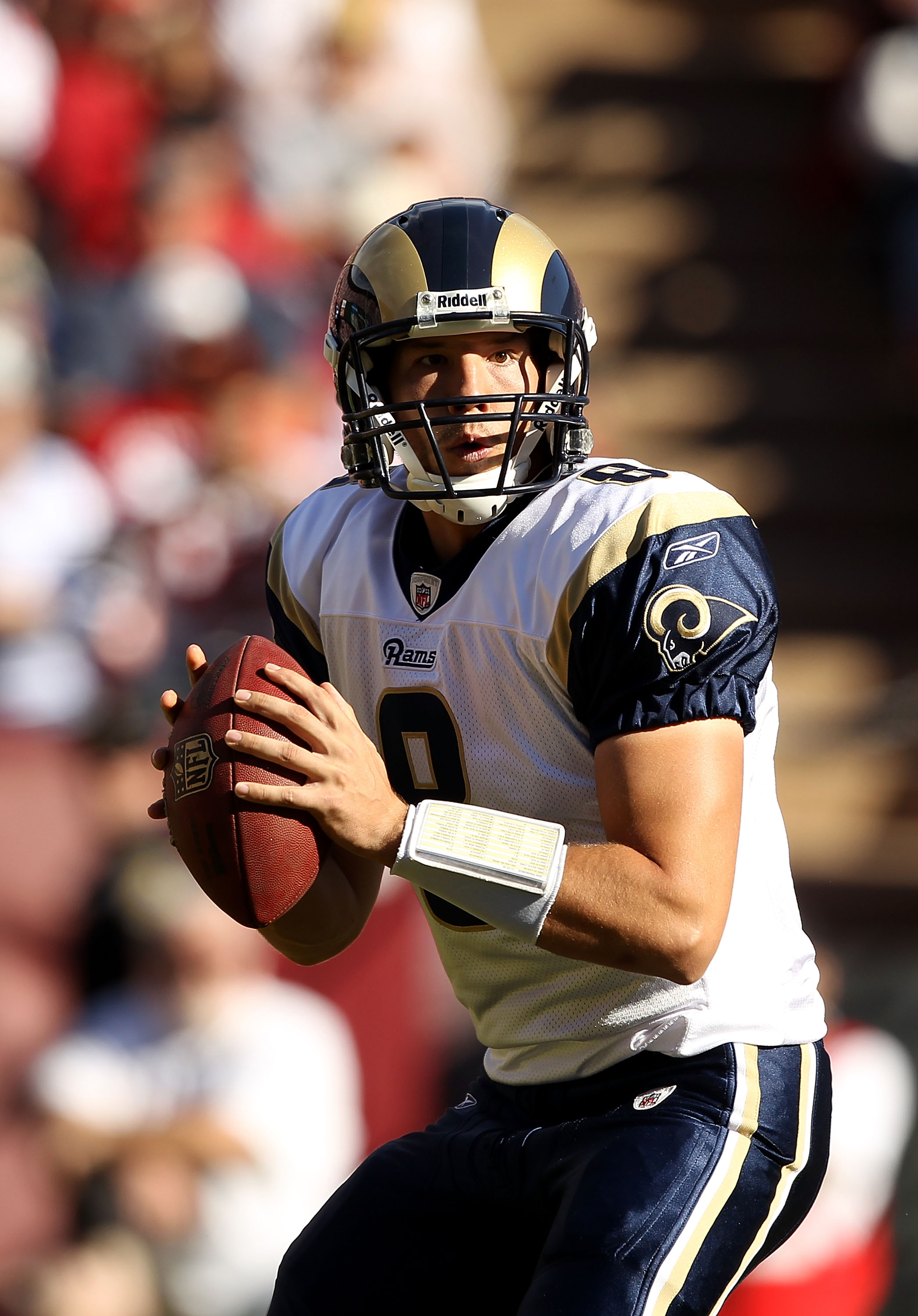 SAN FRANCISCO - NOVEMBER 14:  Sam Bradford #8 of the St. Louis Rams looks to pass the ball against the San Francisco 49ers at Candlestick Park on November 14, 2010 in San Francisco, California.  (Photo by Ezra Shaw/Getty Images)