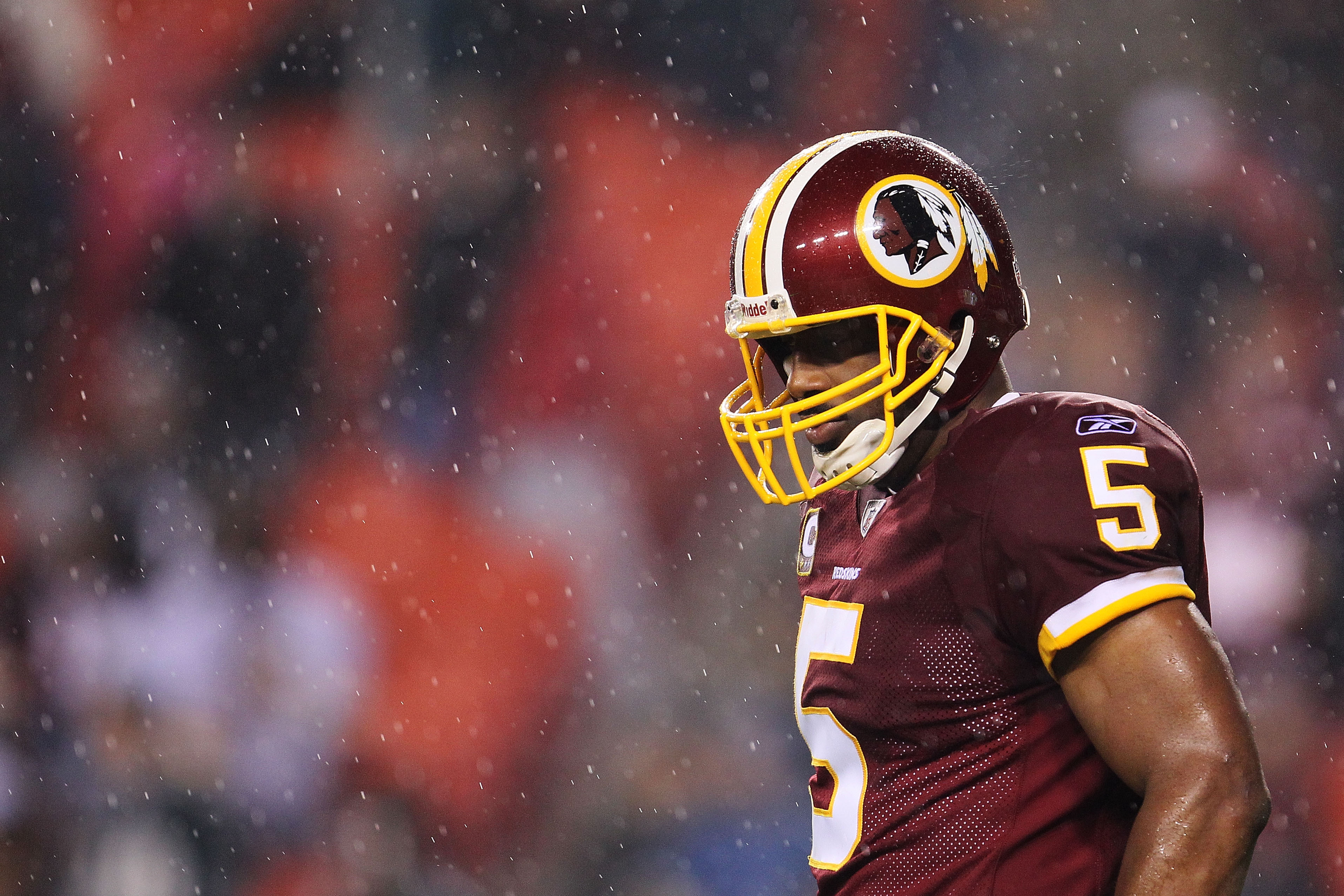 LANDOVER, MD - NOVEMBER 15:  Donovan McNabb #5 of the Washington Redskins waits for play to resume in the fourth quarter against the Philadelphia Eagles on November 15, 2010 at FedExField in Landover, Maryland.  (Photo by Chris McGrath/Getty Images)