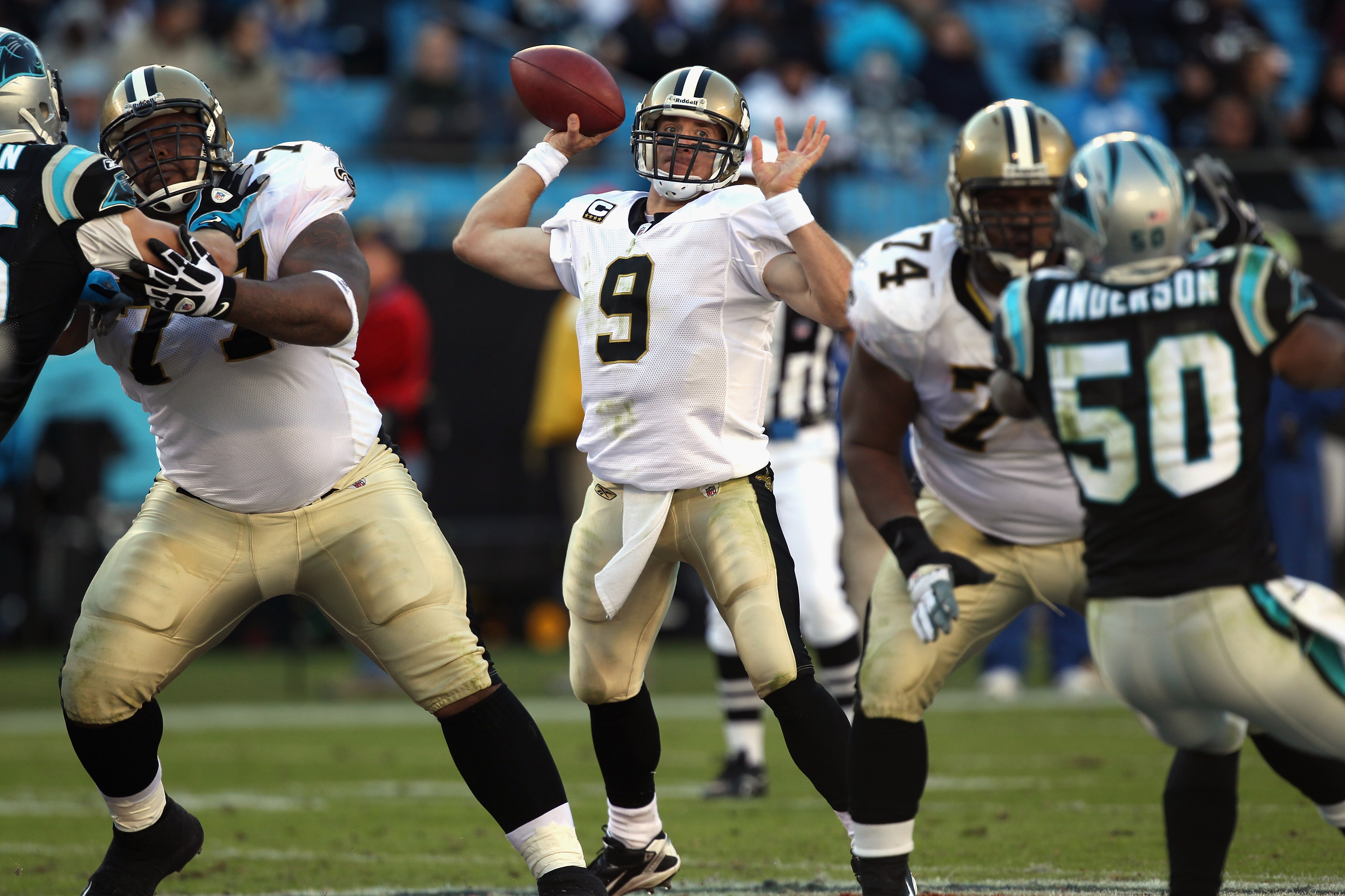 CHARLOTTE, NC - NOVEMBER 07:  Drew Brees #9 of the New Orleans Saints against the Carolina Panthers during their game at Bank of America Stadium on November 7, 2010 in Charlotte, North Carolina.  (Photo by Streeter Lecka/Getty Images)