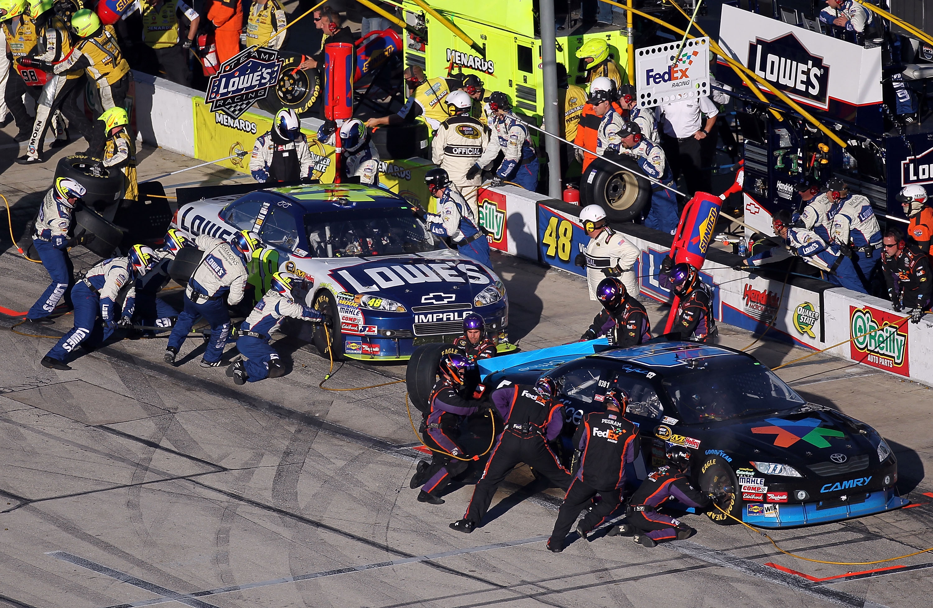 When both pit crews went head to head at Texas Chad Knaus snapped.