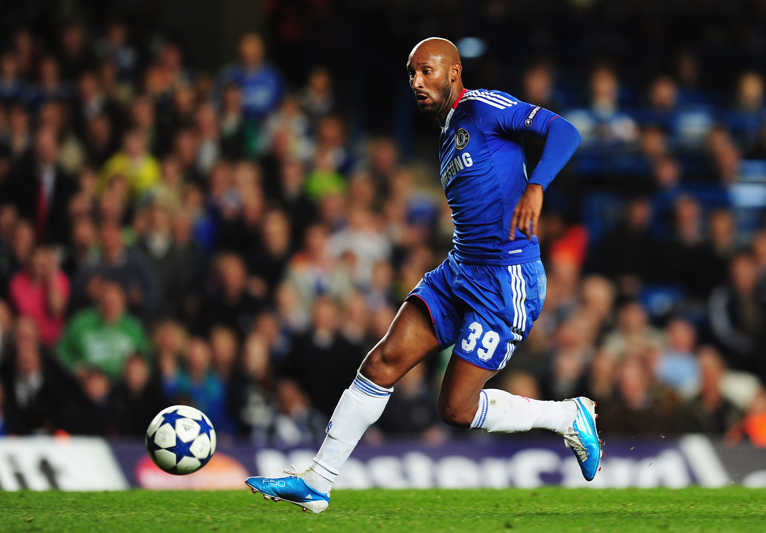 LONDON, ENGLAND - NOVEMBER 03:  Nicolas Anelka of Chelsea in action during the UEFA Champions League Group F match between Chelsea and Spartak Moscow at Stamford Bridge on November 3, 2010 in London, England.  (Photo by Mike Hewitt/Getty Images)