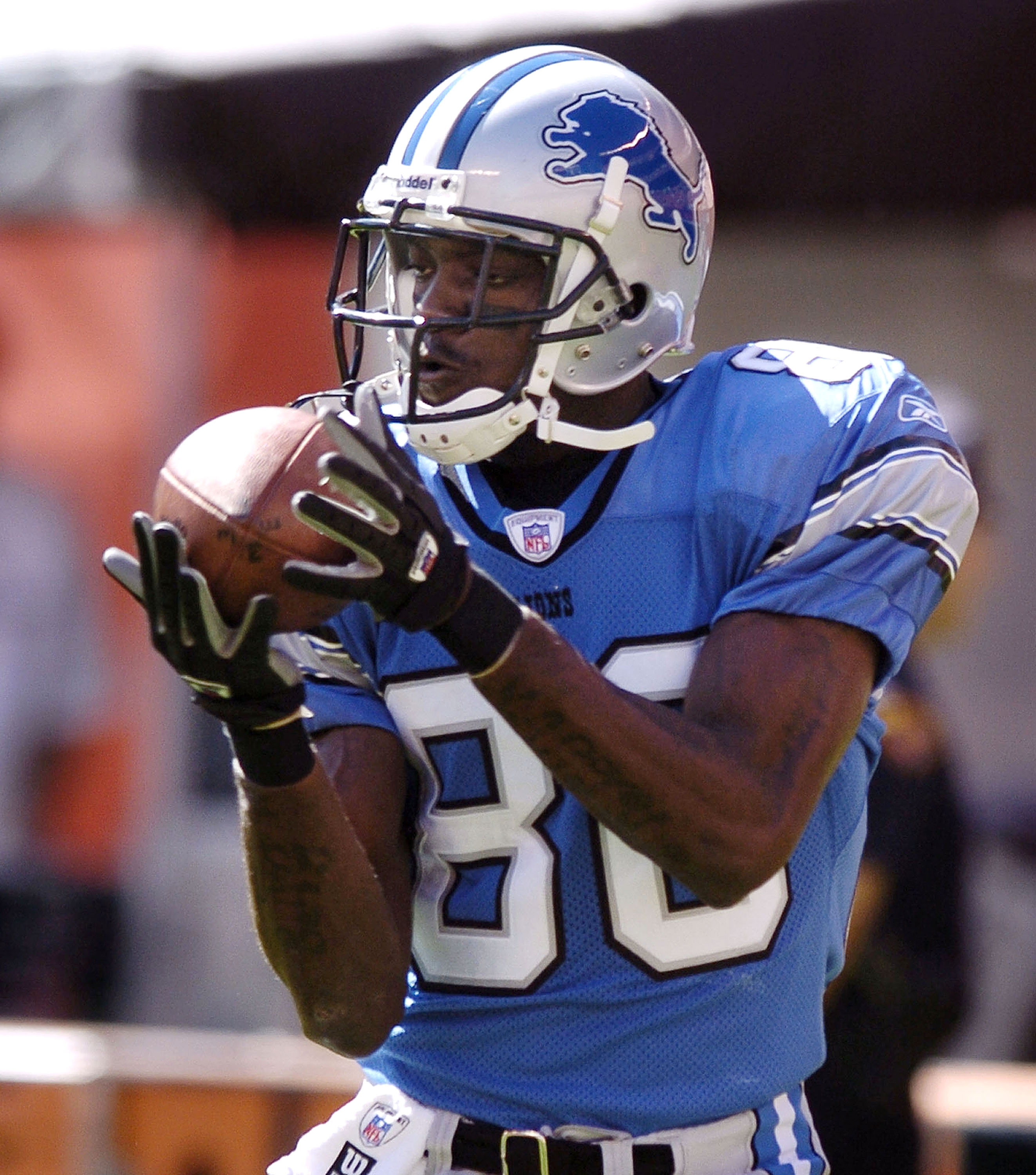 CLEVELAND - AUGUST 21:  Wide receiver Charles Rogers #80 of the Detroit Lions during warmups before the game with the Cleveland Browns on August 21, 2004 at Cleveland Browns Stadium in Cleveland, Ohio. Cleveland defeated Detroit 17-10.  (Photo by David Ma