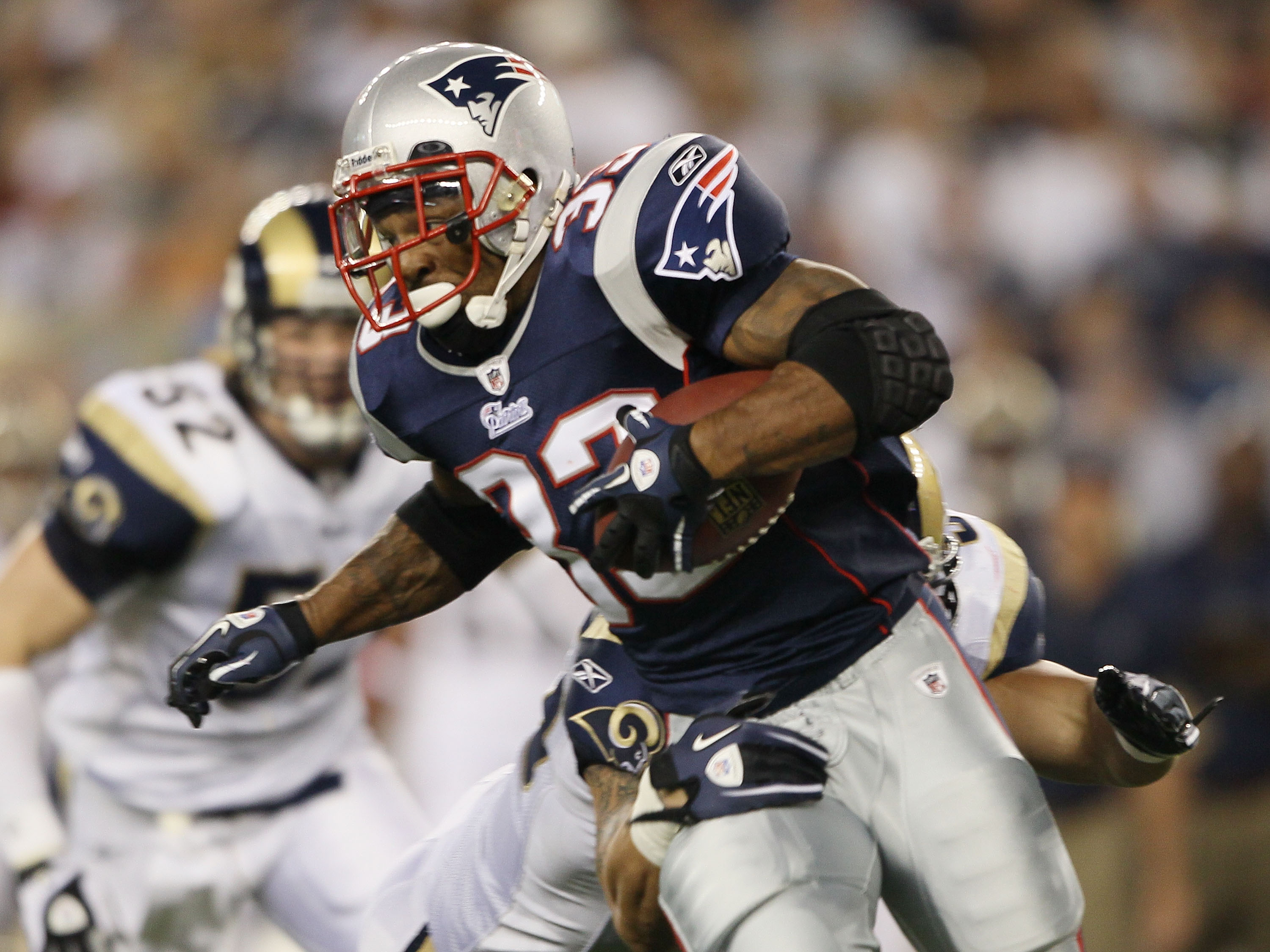 FOXBORO, MA - AUGUST 26:  Kevin Faulk #33 of the New England Patriots carries the ball in the first half against the St. Louis Rams on August 26, 2010 at Gillette Stadium in Foxboro, Massachusetts. The Rams defeated the Patriots 36-35. (Photo by Elsa/Gett