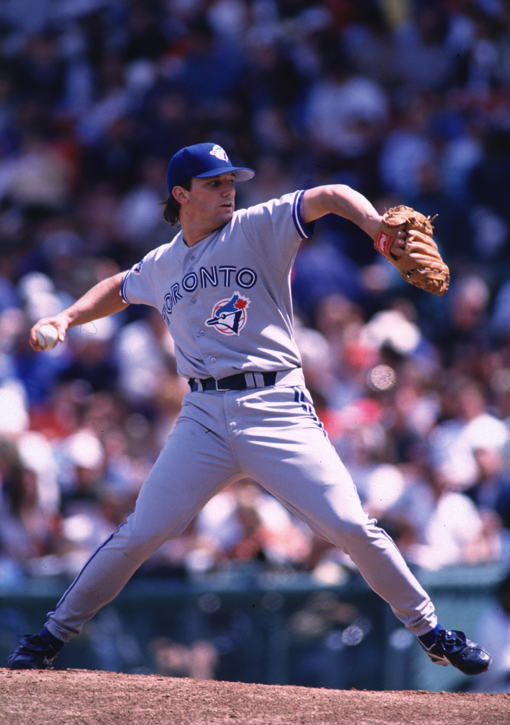 5 May 1996:  Pitcher Pat Hentgen of the Toronto Blue Jays winds up to throw a pitch during the Blue Jays 11-4 win over the Boston Red Sox at Fenway Park in Boston, Massachusetts. Mandatory Credit: Rick Stewart/ALLSPORT